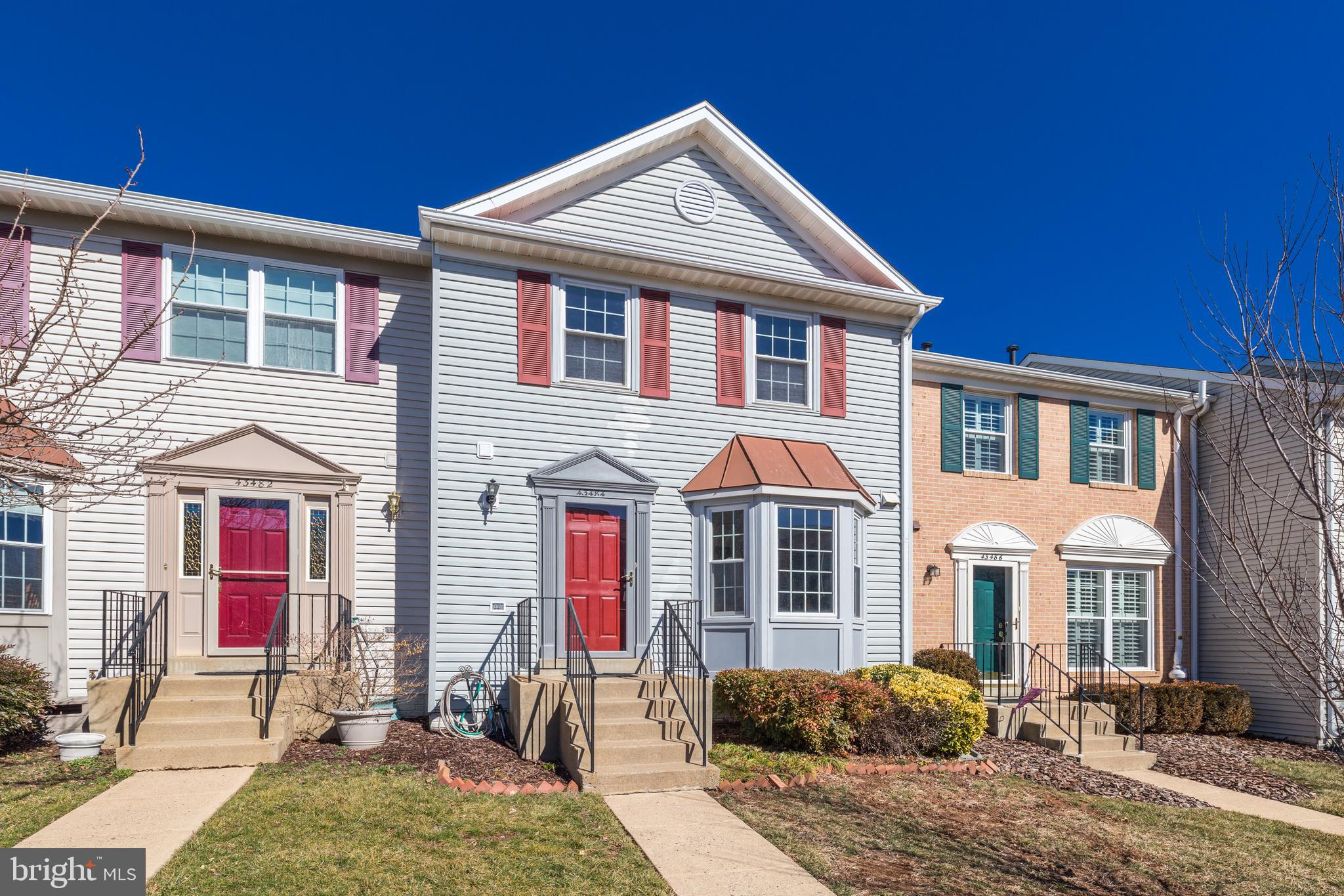 *Beautiful Three Level Townhome w/ Recent Upgrades & Updates Throughout*Fresh Paint & New Carpet in