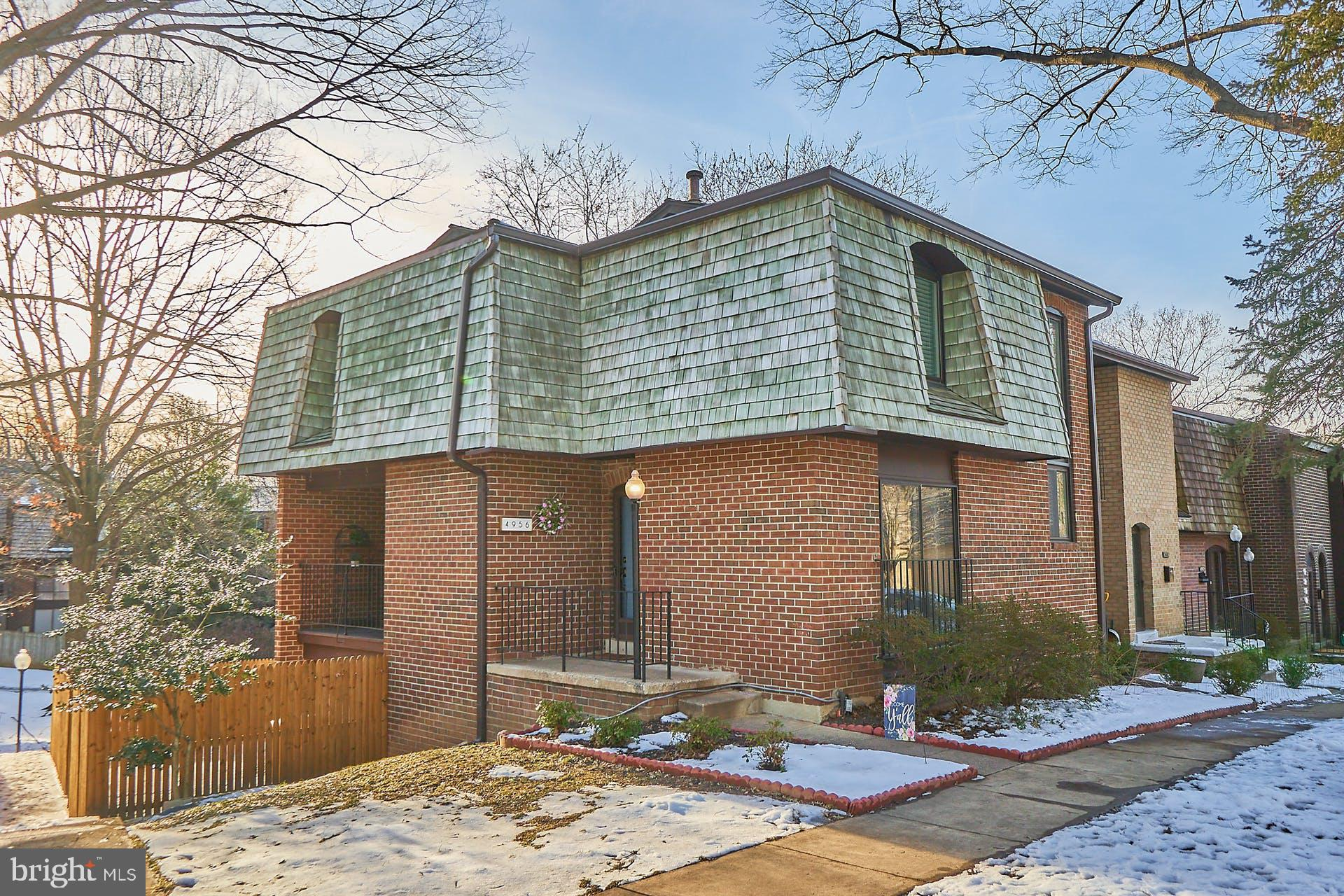 Large, move-in ready 3BR, 3.5BA townhome in prime location! Pride of ownership shows with refinished