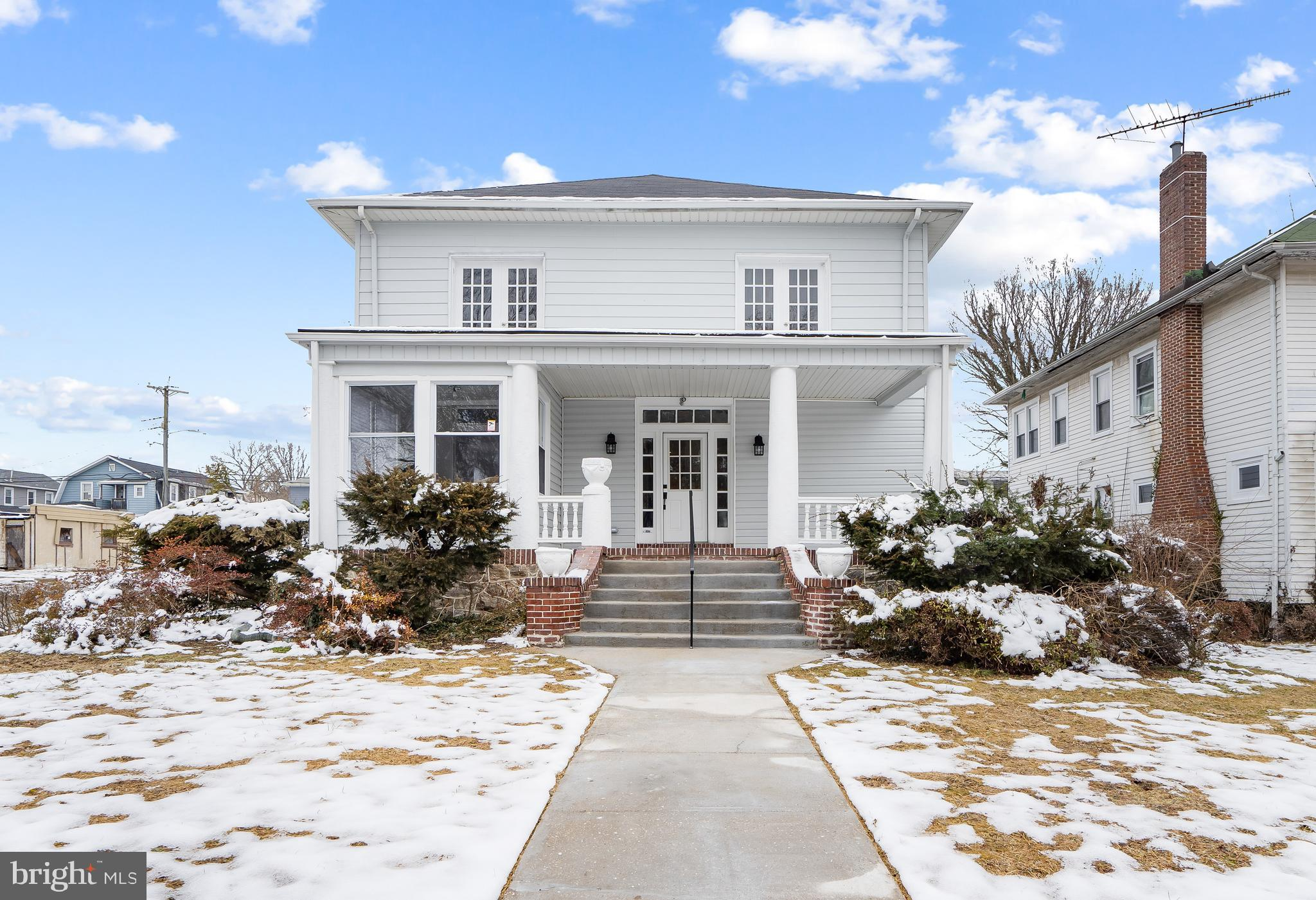 This gorgeous renovated beauty could be your new home! Nestled in Forest Park this home is full of e