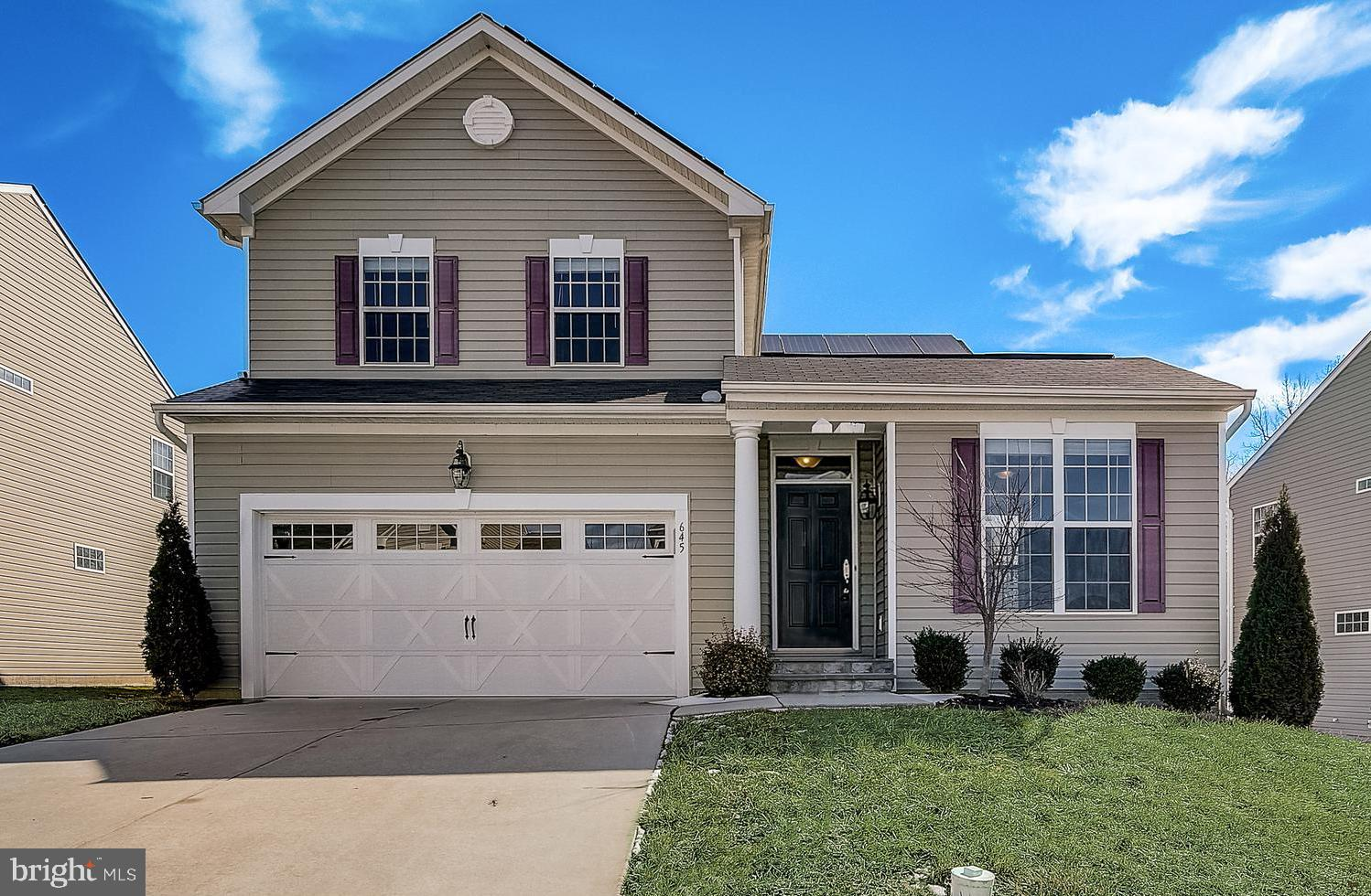 Another beautiful Charlestown Crossing home is ready for you to make it your own! Stylish, efficient