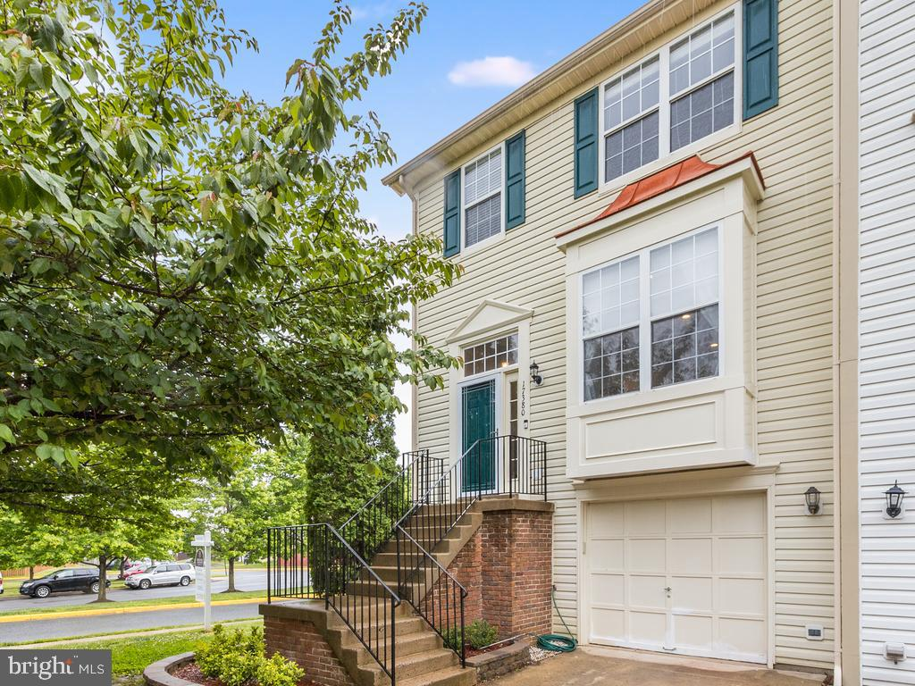 Beautiful end unit garage townhouse in Forest Park. It features 4 bedrooms(1 in the basement) 2 full and 2 half baths, open concept, SS appliances, fireplace,  great size primary bedroom with walk in closet. Freshly painted.   Located conveniently near to I-95, commuter lot, Quantico base,  healthcare, businesses and restaurants. Come check it out before it's gone!