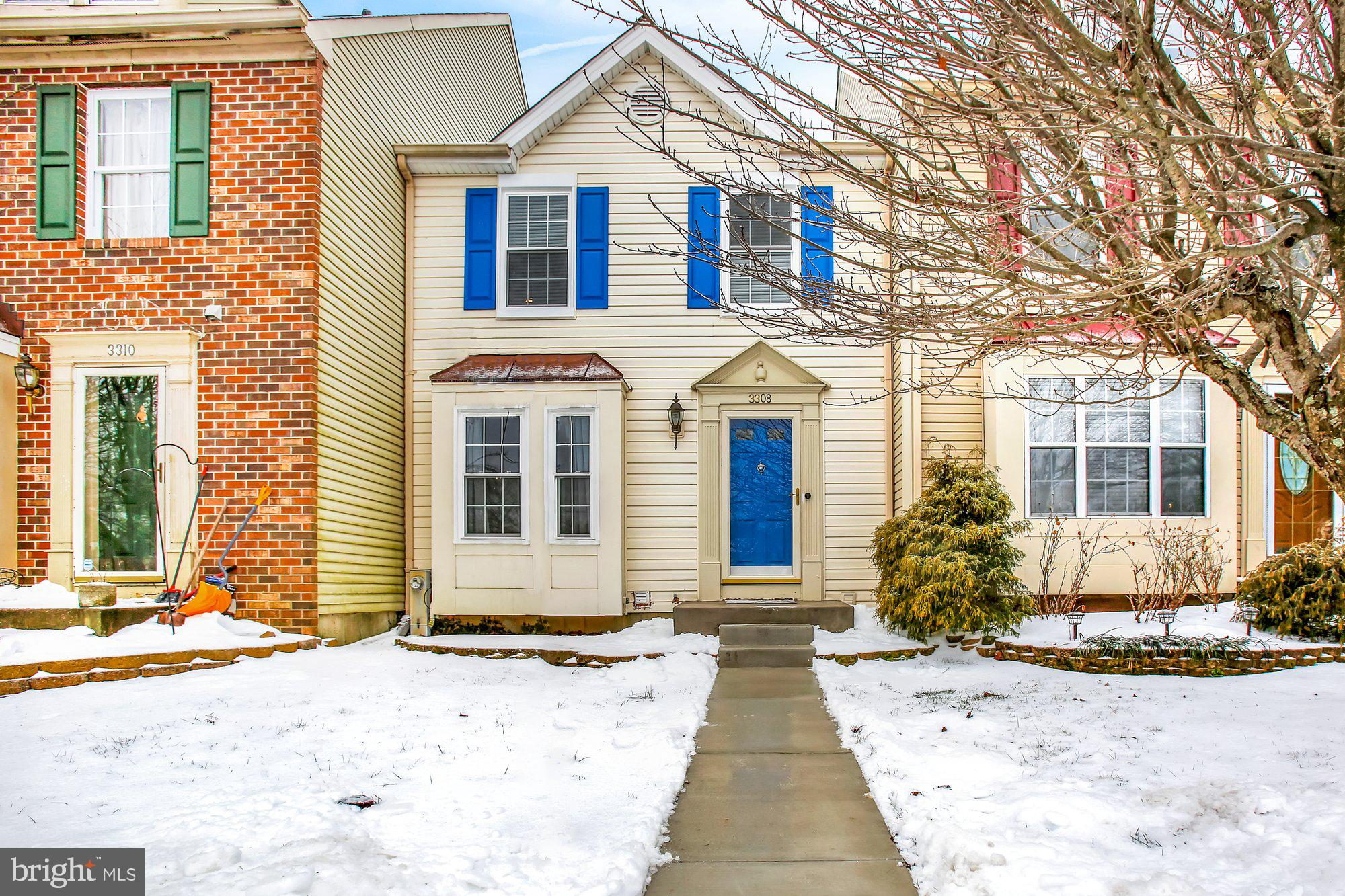 THIS INCREDIBLE TOWNHOME IN CONSTANT FRIENDSHIP HAS THE LOOK AND PEACE OF MIND UPDATES YOU'VE BEEN S