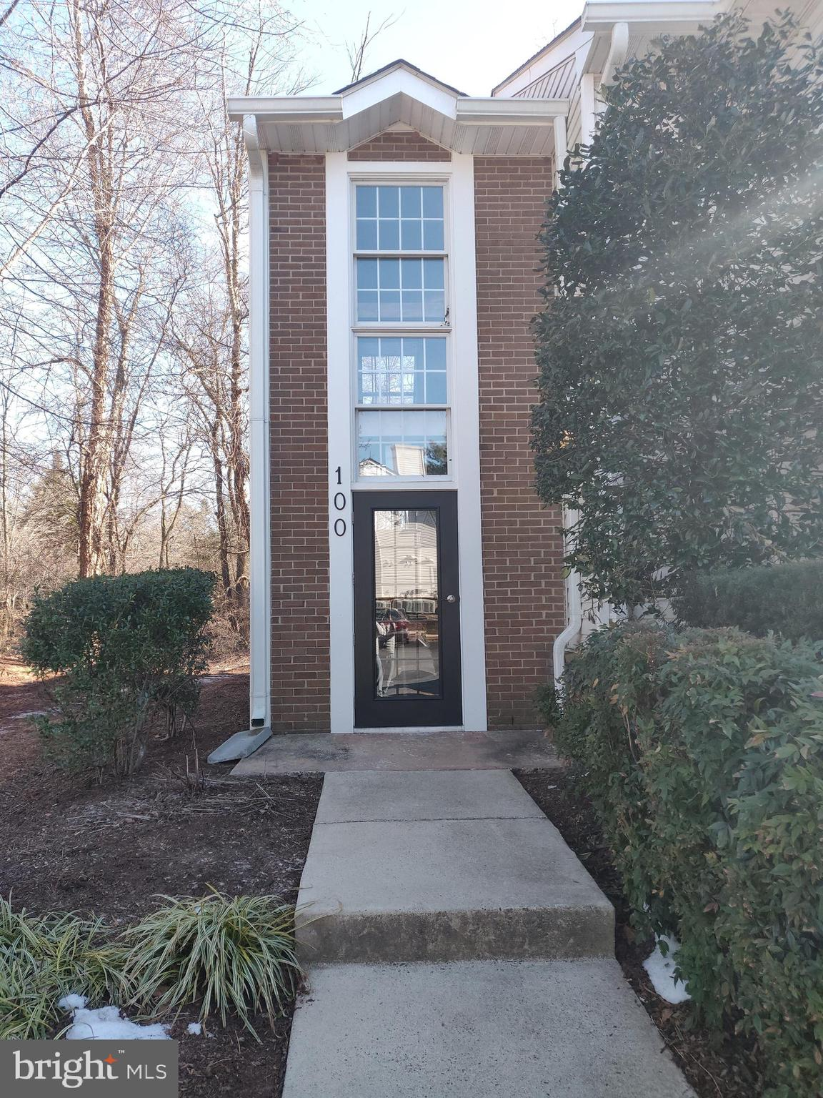 PENDING RELEASE - Nice 1st floor condo close to everything. Fully equipped kitchen, bamboo flooring all over and beautiful tile at kitchen and bath. Enjoy your private patio in the back and no buildings in the back.  Laundry closet with full size W/D.  Use the community picnic area, trails, pools, Etc. Close to Dulles Town Center and blocks to  Route 28 and Route 7.