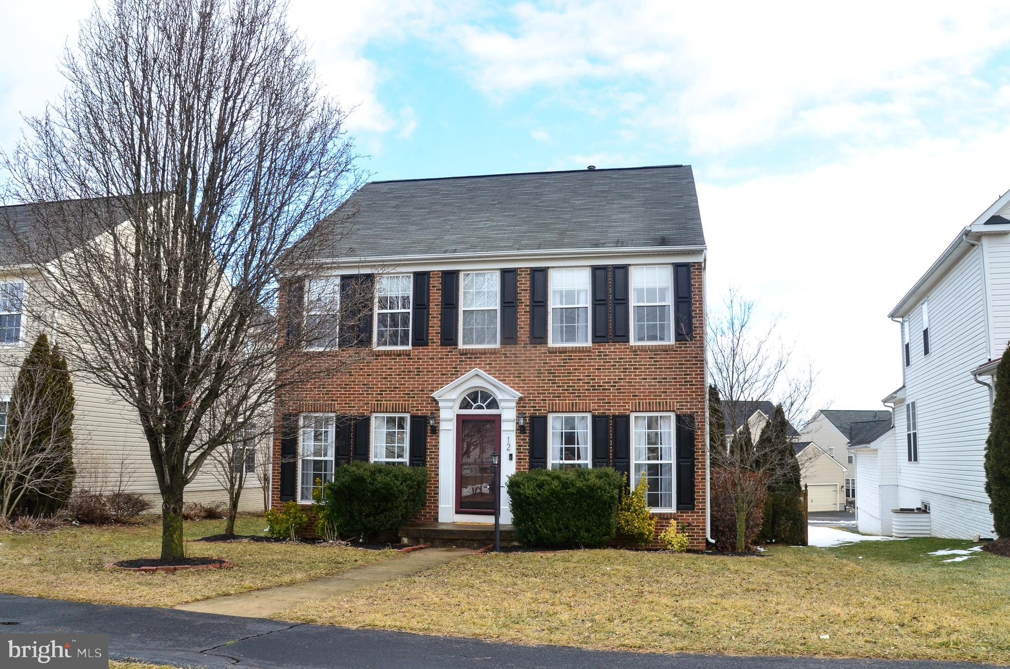 Welcome to this meticulously-maintained brick front Colonial in the quaint town of Lovettsville. Thi