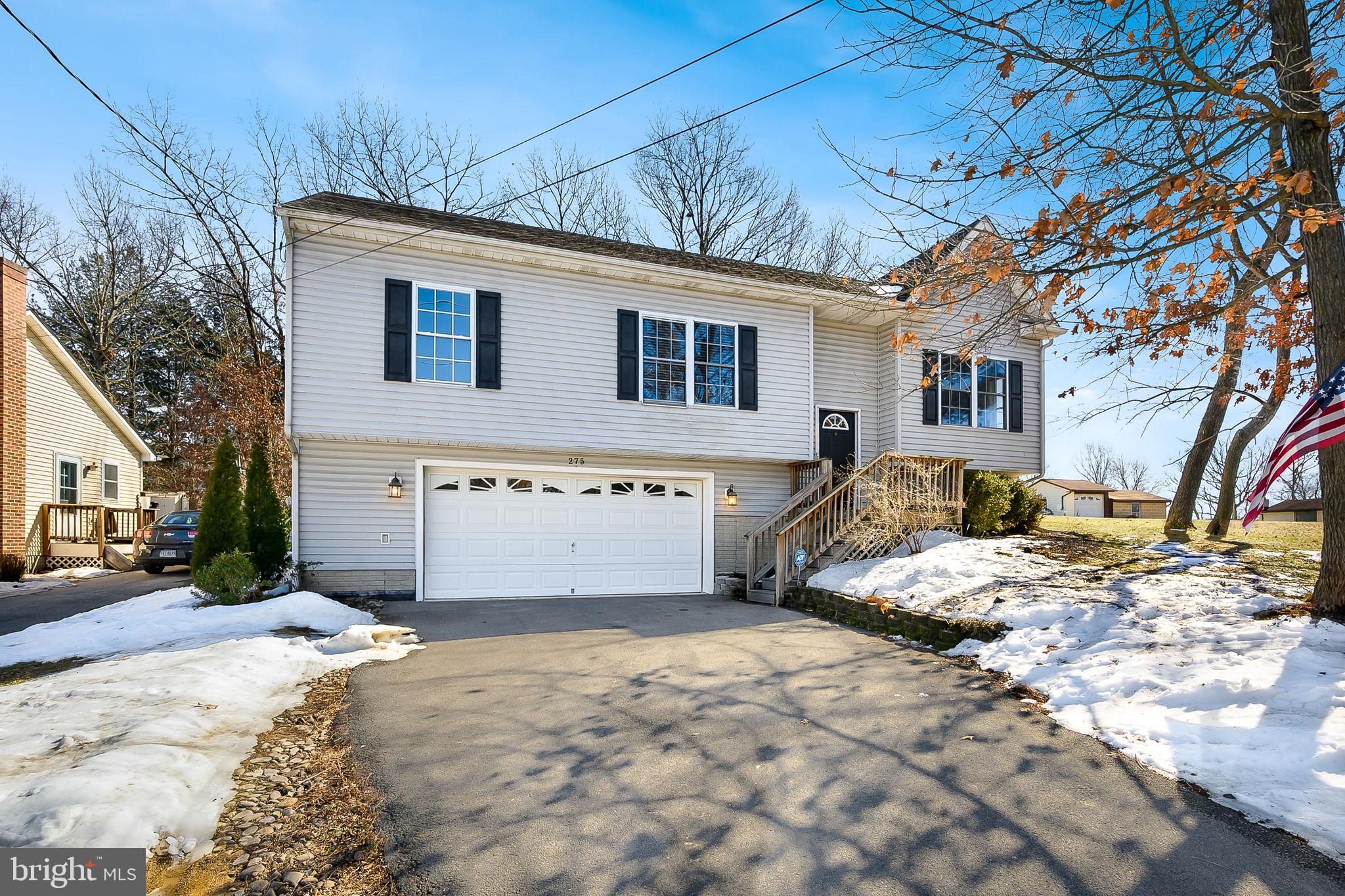 Adorable split foyer with easy access to routes 7 and 81.  Main level features neutral paint and a c