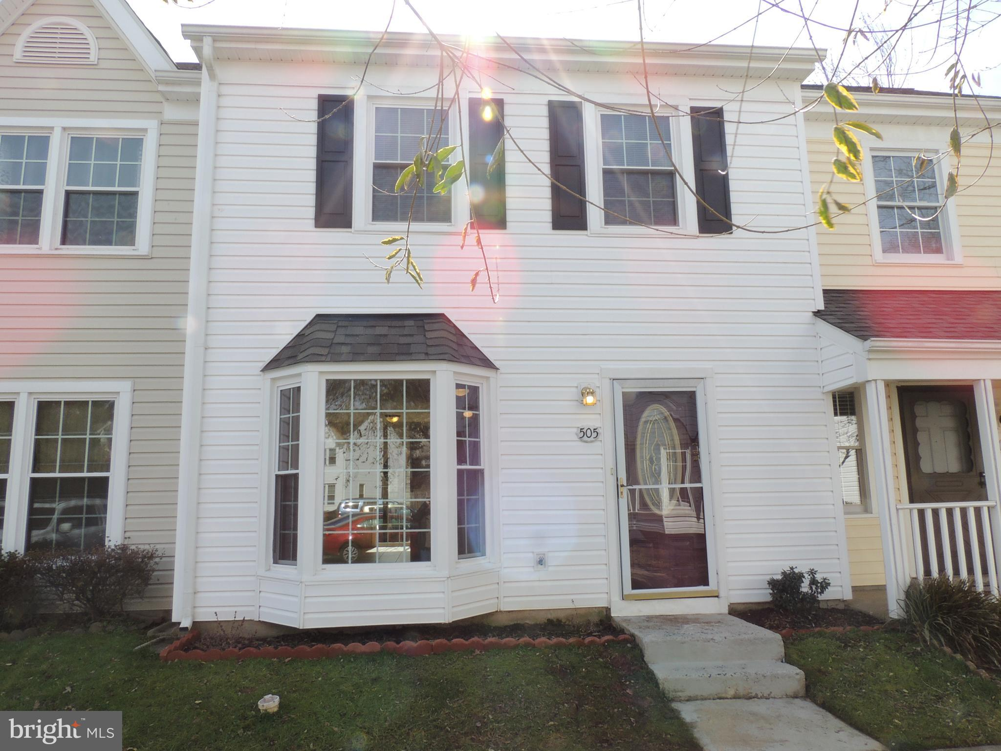 Lovely townhouse located conveniently off main road in quiet community.  This 3 bedroom home is fres
