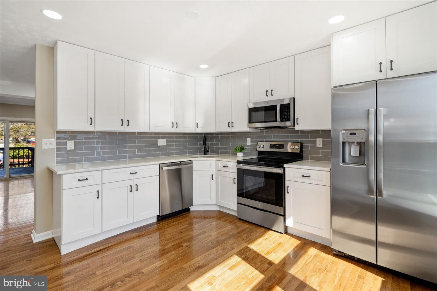 WELCOME HOME TO 26 OAK CREST COURT!!  THE SELLER SPARED NO EXPENSE DURING RECENT RENNOVATION.  COME