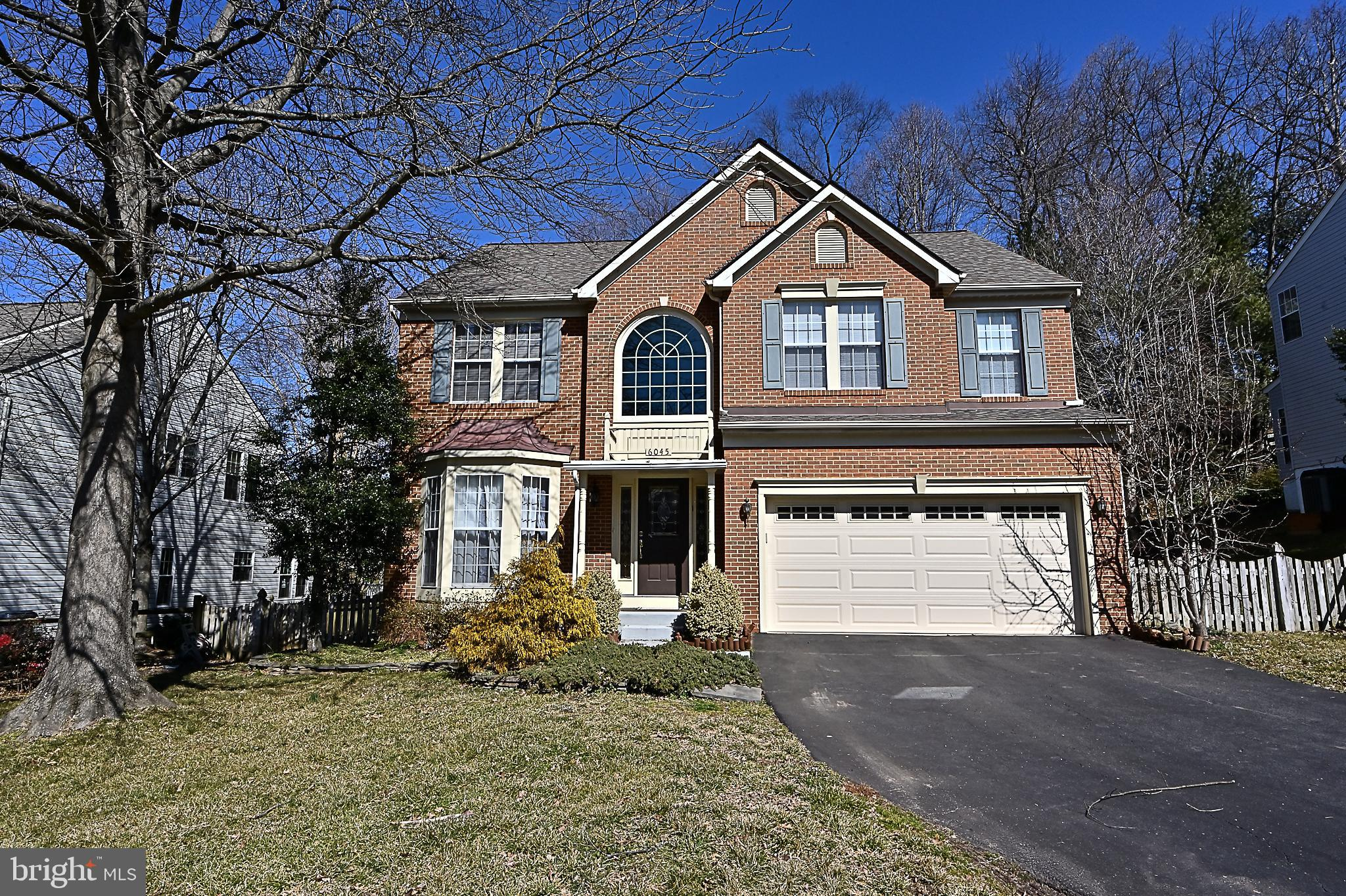 Welcome Home! Incredibly elegant three-level single-family home in Alexandria. 5 bedrooms, 3.5 bathr