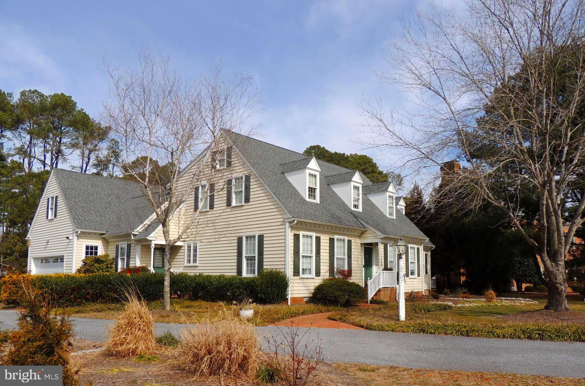 Beautiful cape cod style home with detailed craftmanship in the highly desired Brafferton community.