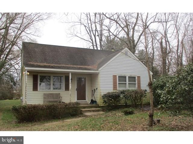 Affordable Cape Cod on a one acre lot located in Townsend DE.  This three bedroom one bath home has
