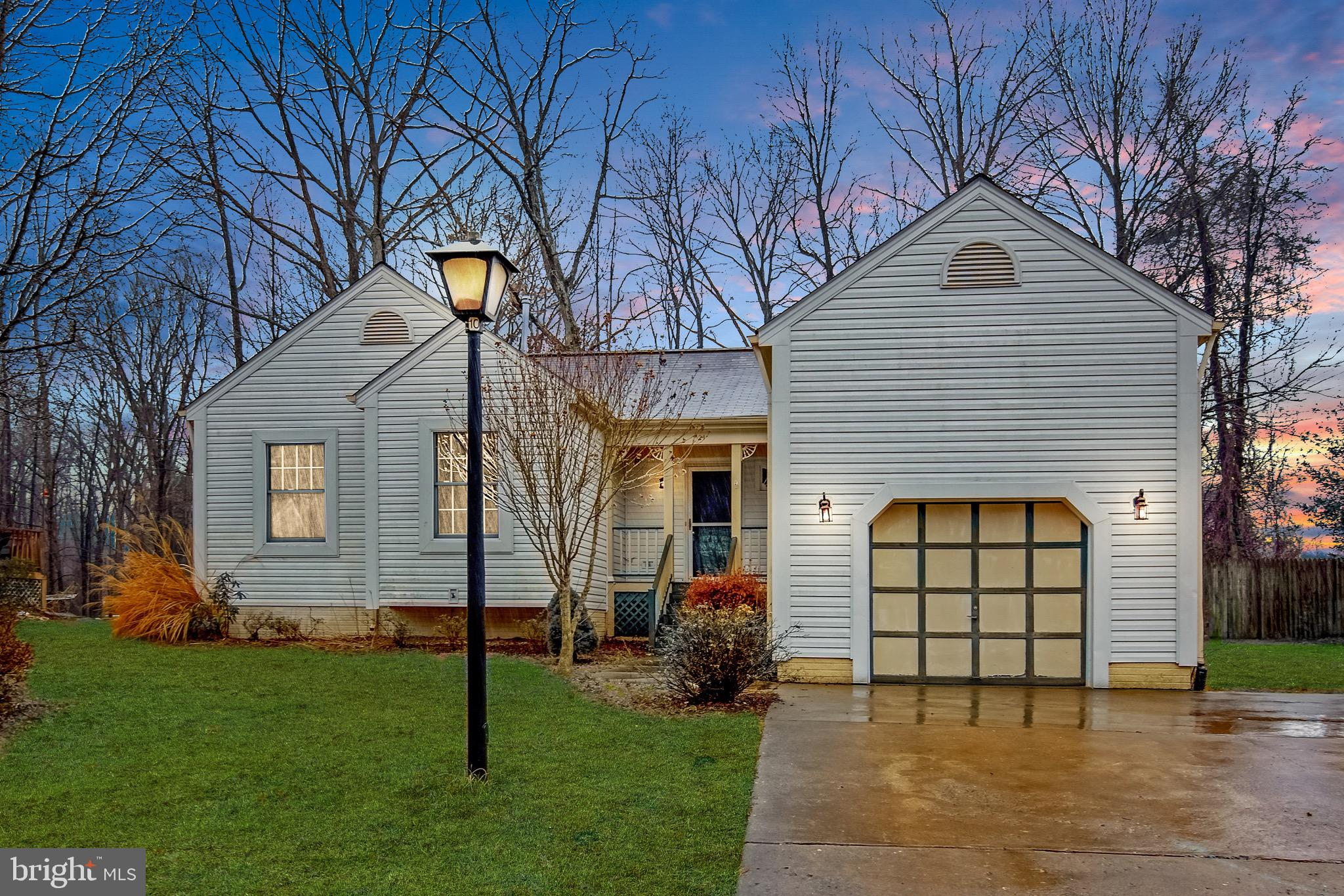 Wow! Is what you will say once you step foot into this gorgeous home! Right at the backdoor to Quant