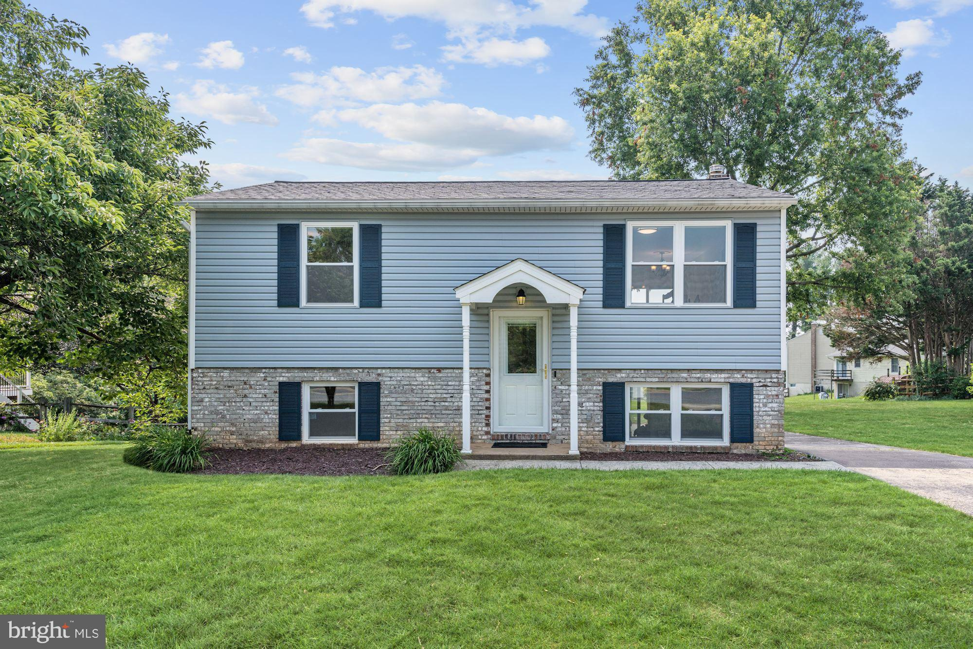 Comfort comes easy in this charming home in the desirable Hilltop Estates community of Eldersburg fe