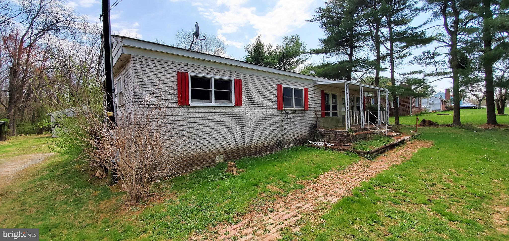 Now Available in Darlington.  2 Bedroom 1.5 Bath Home  with 2 car detached garage.