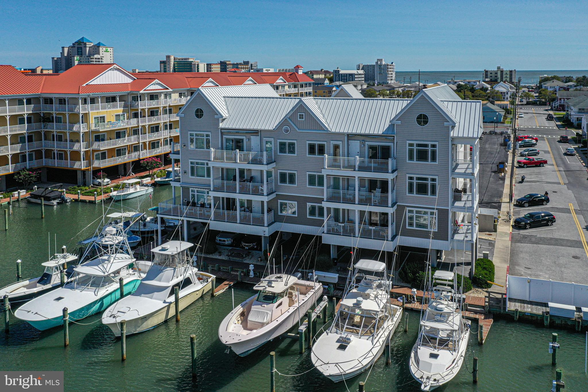 Attention Boaters! Rarely available is this 1897 sq. ft. 3 bedroom/ 2 Bathroom condo with elevator,