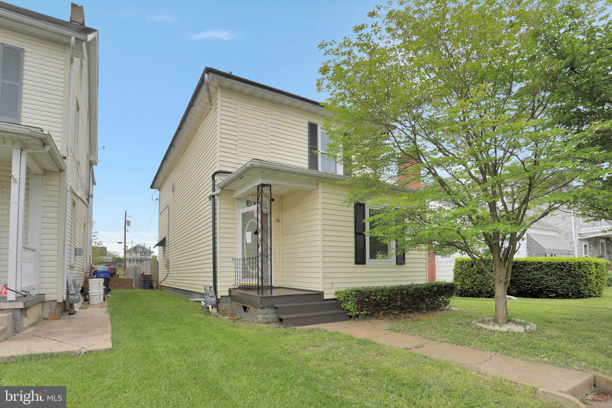 Buyers Financing Fell Through!  Ready for a quick sale Gorgeously Renovated Home in the Desireable S
