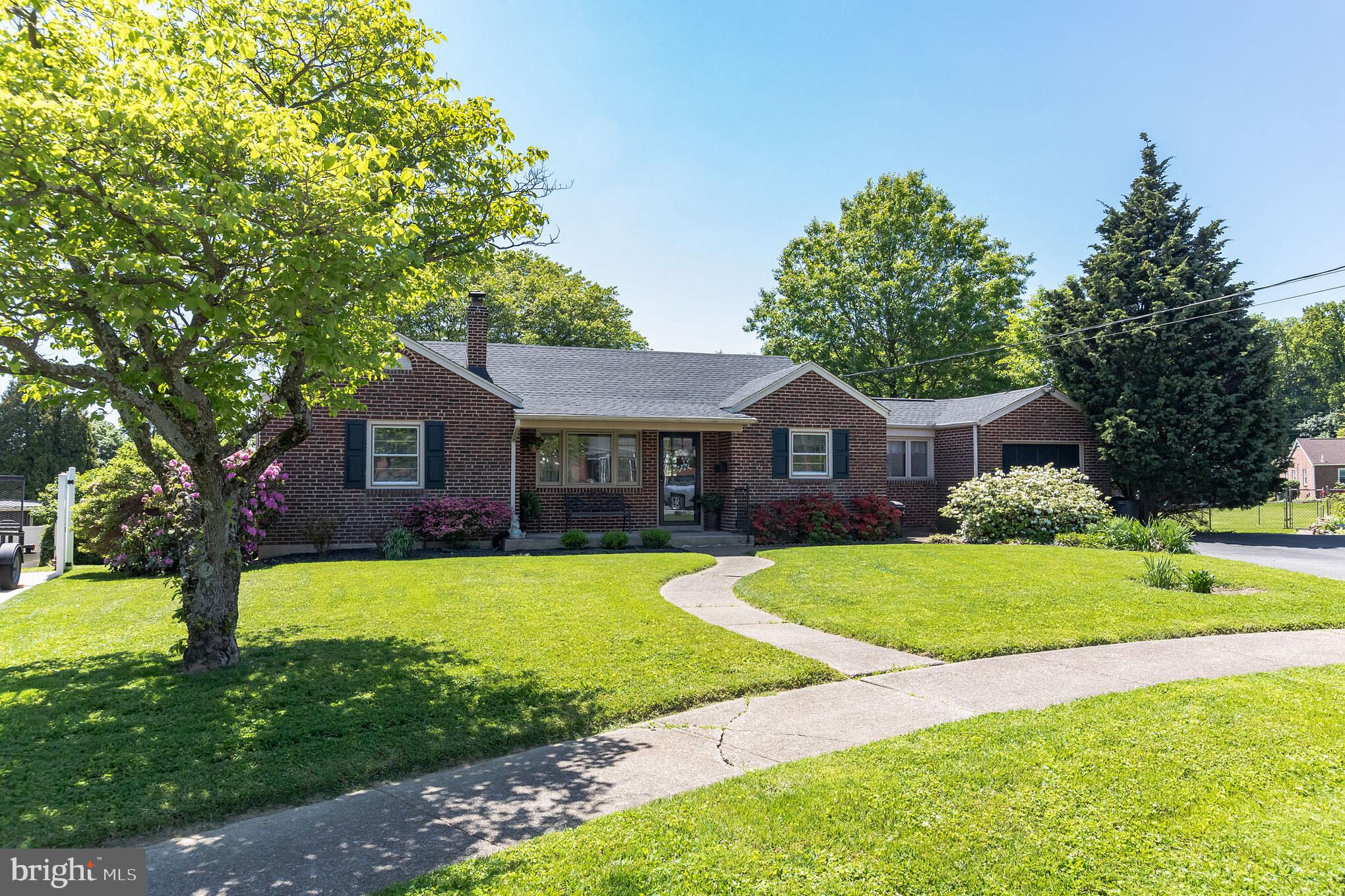Charming Brick Ranch with great curb appeal, situated on a quiet cul-de sac street. Enter into the b