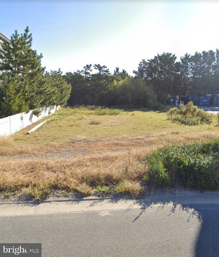 Lot Commercial/Residential.  One block from Ocean. Great deal for East of Rt. 1 and with Town Codes for Commercial /Residential also. Lots of options. Prime Location in Fenwick Island, DE, Easy walk to Everything Fenwick Island has to offer.  Low DE taxes.