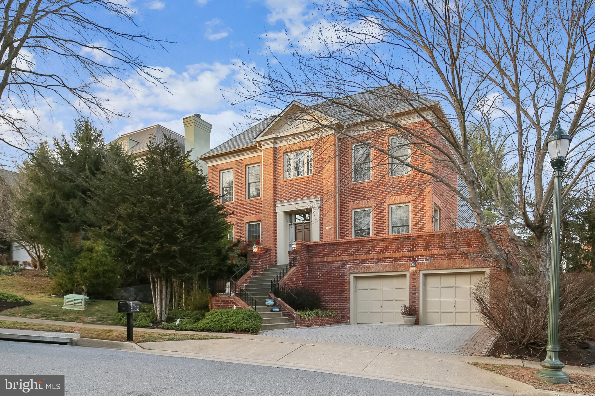 What a gorgeous home! (not backing to power lines, check the comps!) Wonderful floor plan, starting