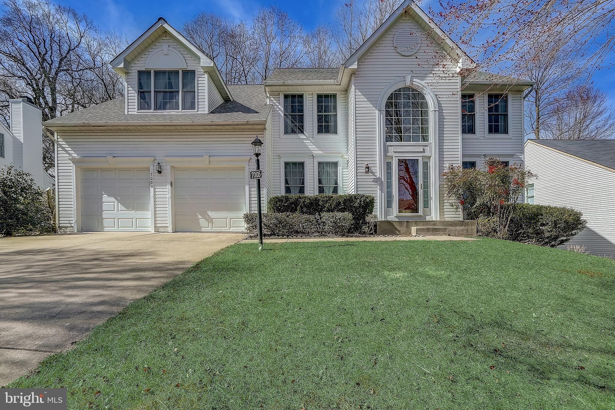 Gorgeous 5 bedroom, 3.5 bath home in sought after RIVER HILL!   Features include:  gleaming hardwood