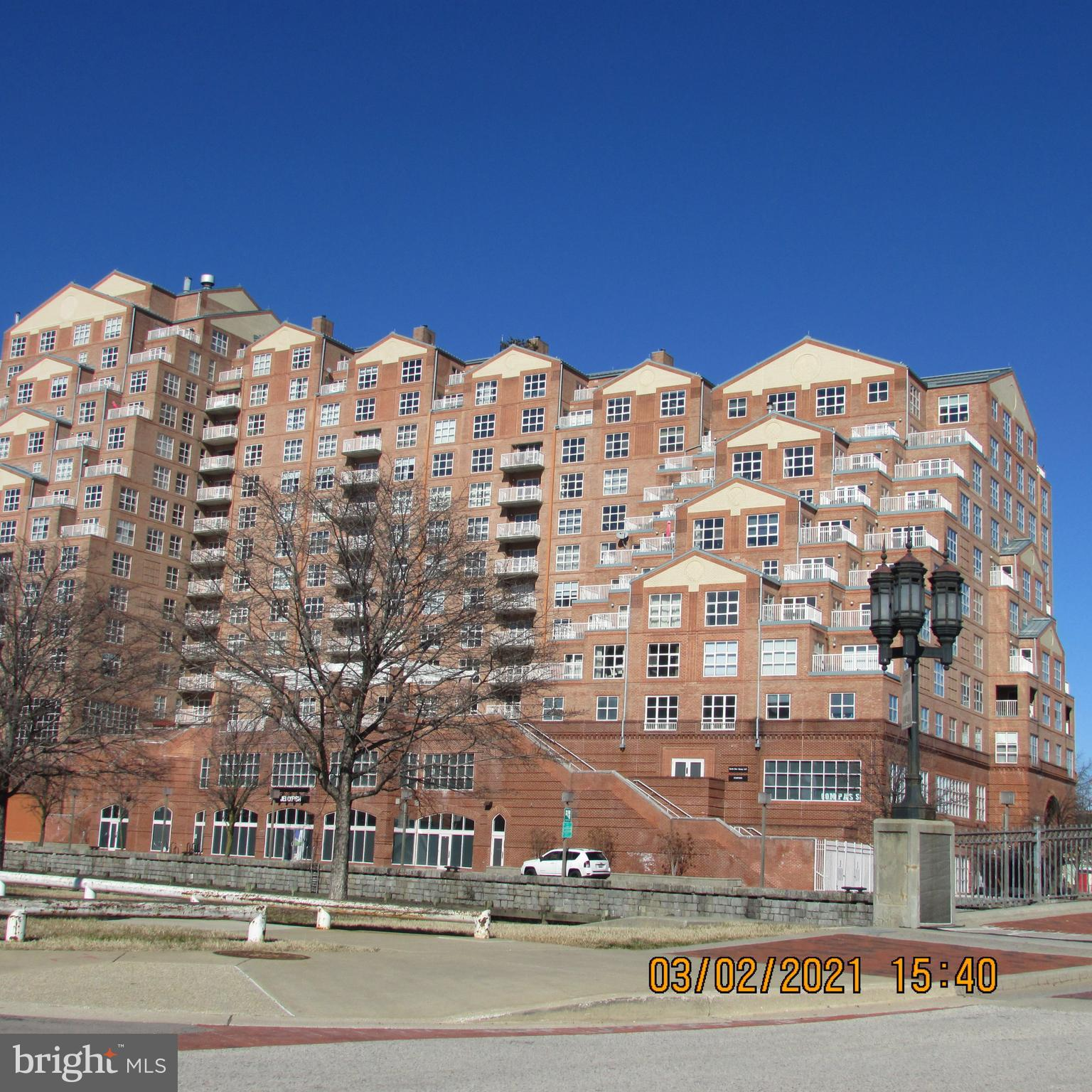 Occupied  2 bedroom 2 bathroom condo unit with views of the Harbor. There are no  appointments  and all offers will need to be based on a drive by and all available information. Do not disturb occupants  or attempt to access unit.