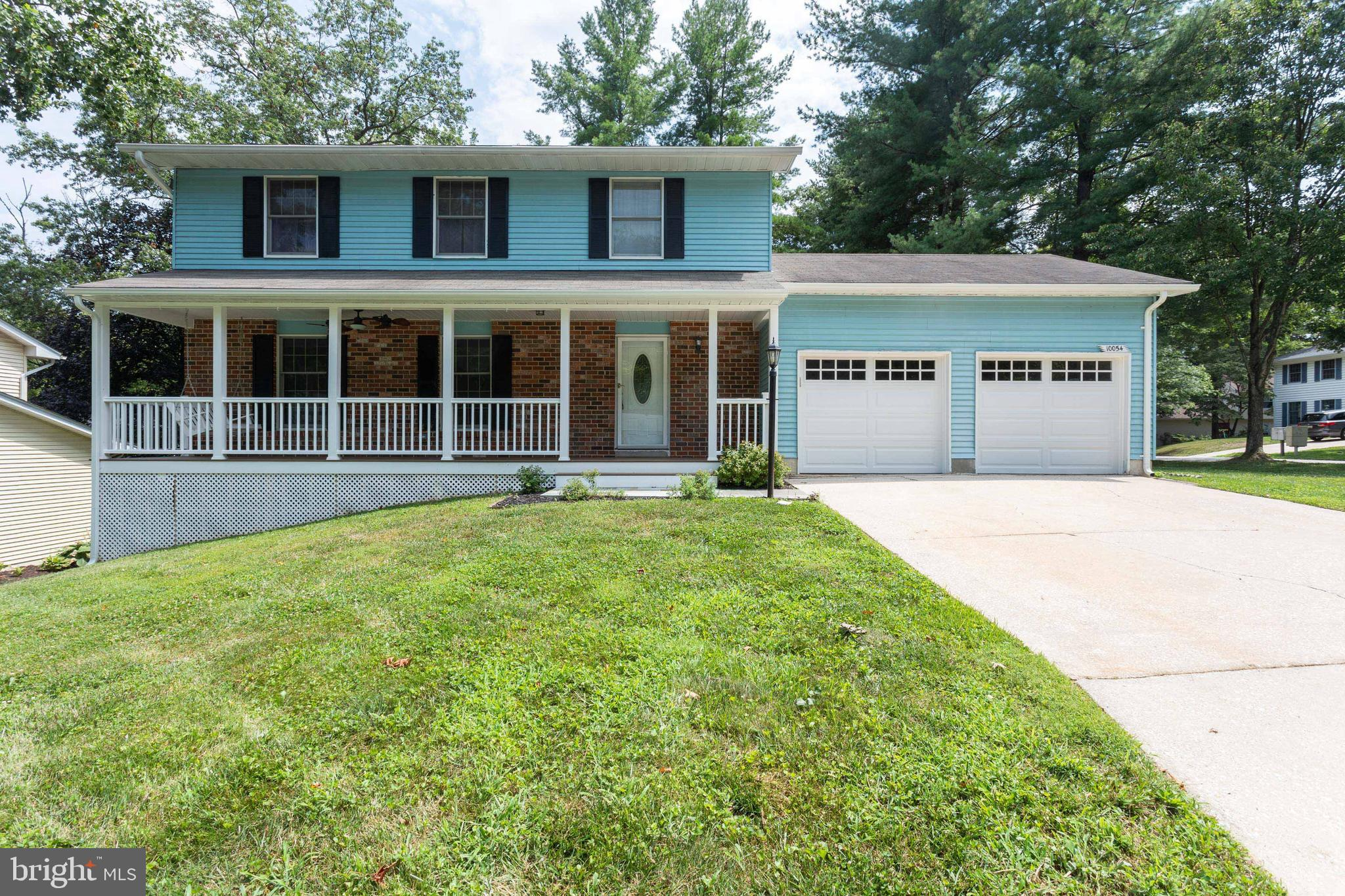Great colonial in the Village of Kings Contrivance.  This home has 4 bedrooms, 3 full baths, and a 2
