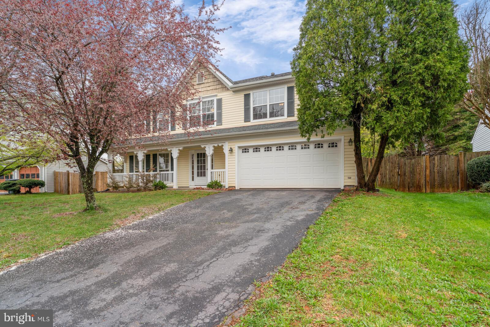 Gorgeous, updated 5 bedroom colonial with fenced in back yard in Stratford Glen.  Freshly painted th