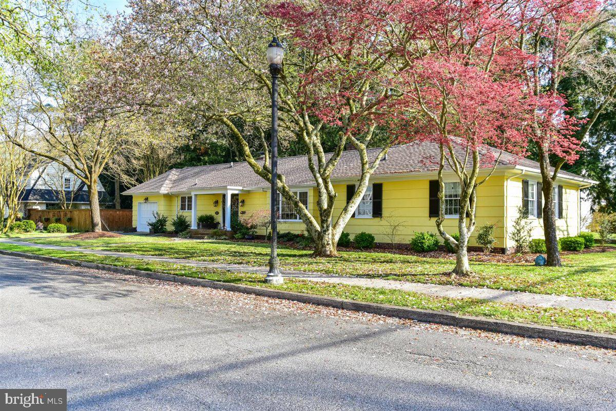 Come visit this beautiful freshly painted Cedar shake  Rancher located in the heart of Salisbury,  T