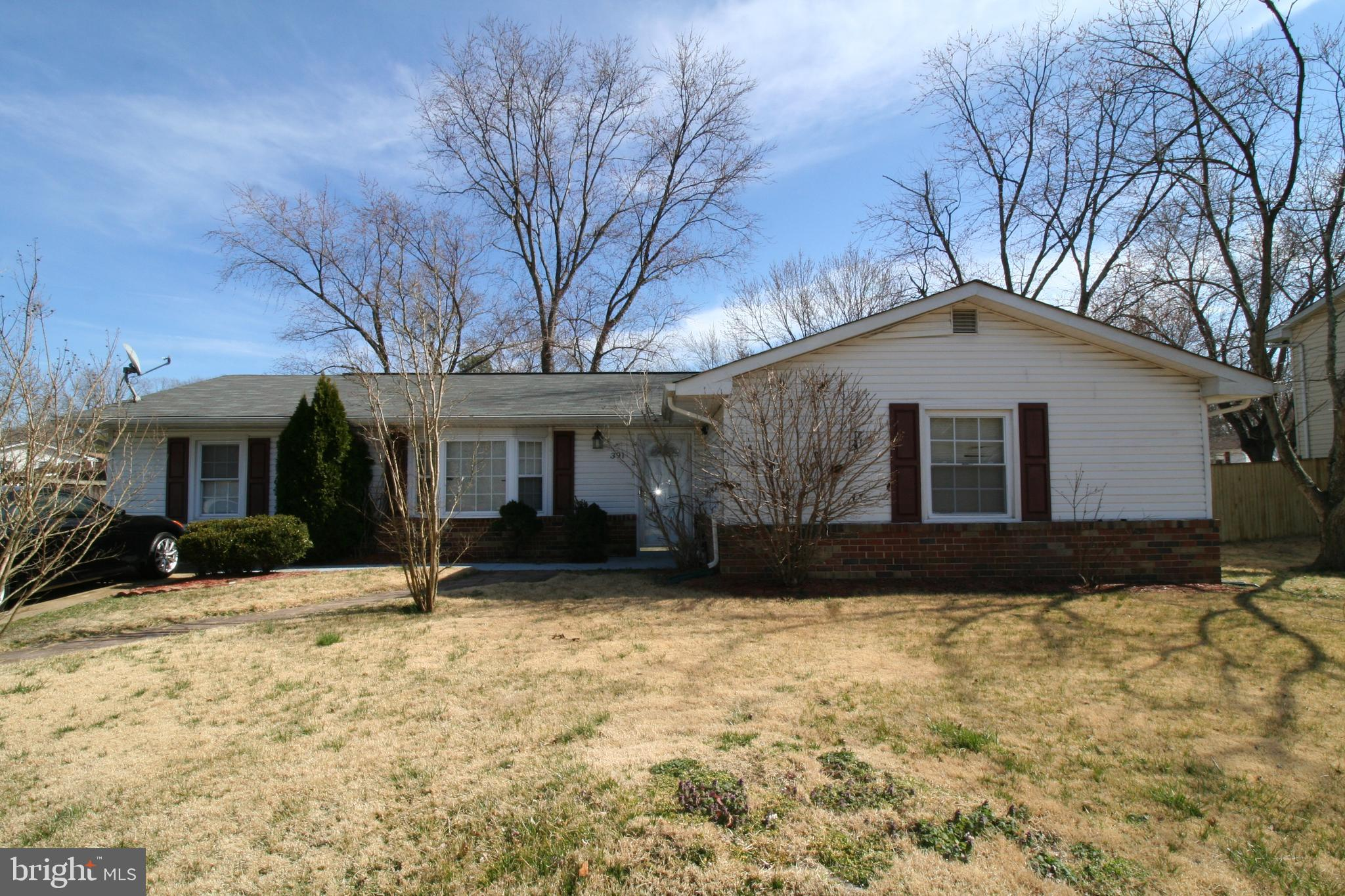 Welcome home to  one level single family home in Waldorf! Located in a well sought after neighborhoo