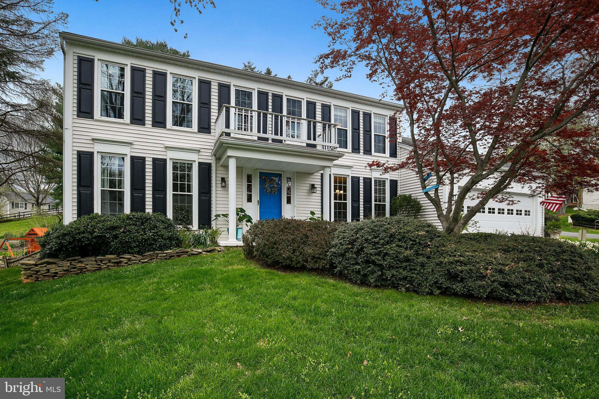 Meticulously maintained - a perfect TEN home. Gorgeous single family home overlooking a fenced backy