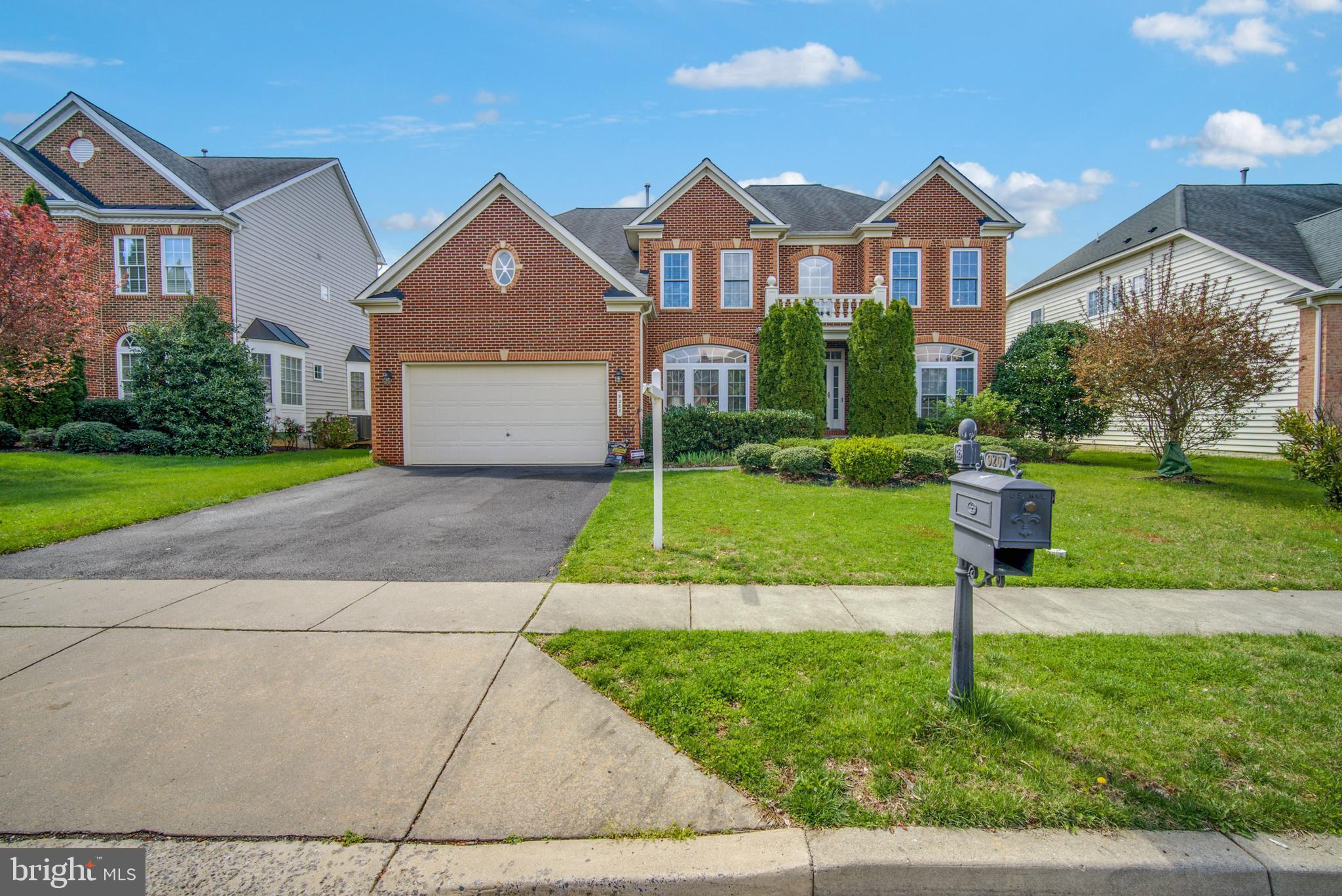 Welcome to this charming, well cared home in the sought after community of Villages of Urbana. Feat
