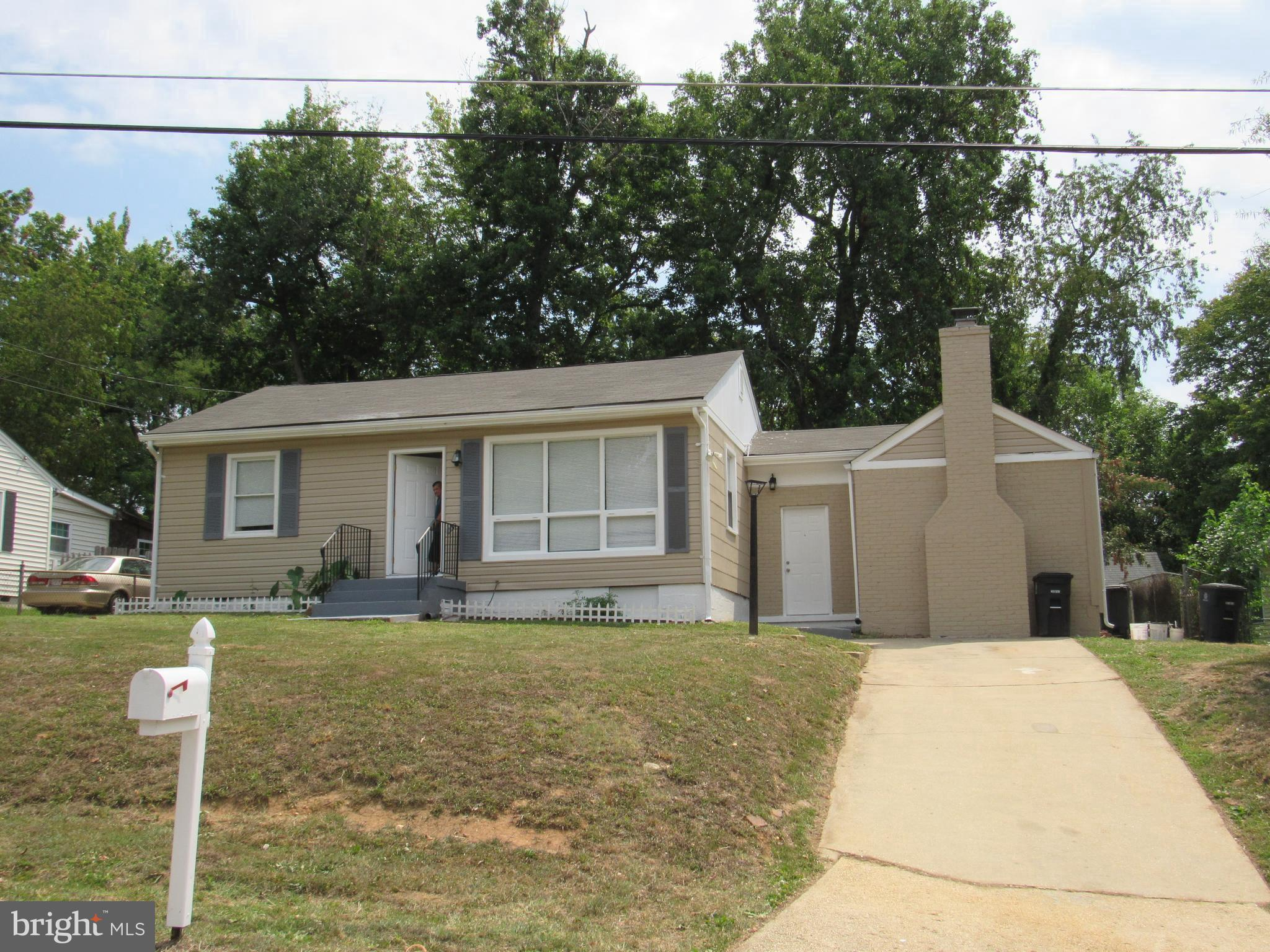 This beautifully renovated home is located just minutes from 495 highway and The National Harbor. on