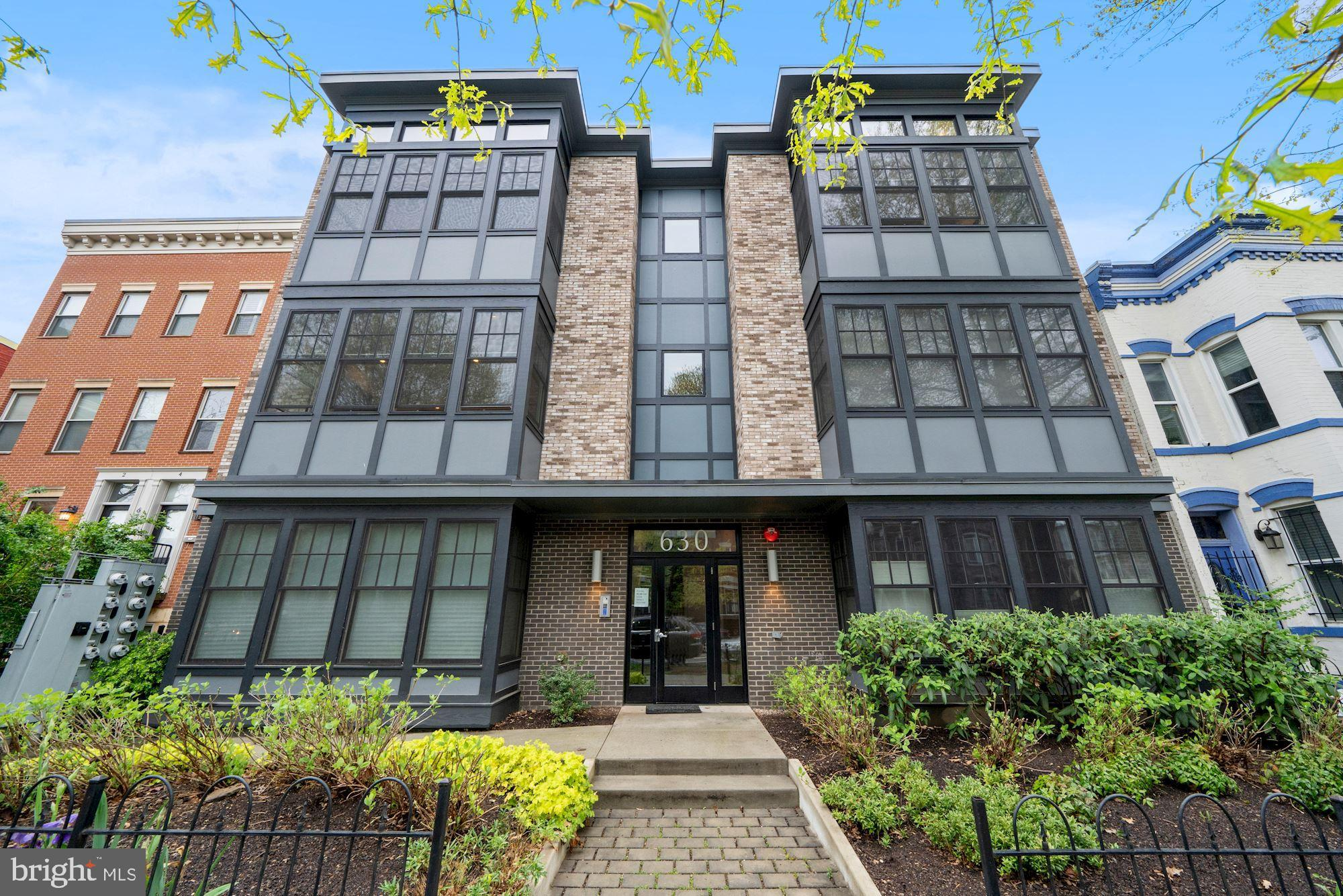 Beautiful 2 bed, 2 bath plus den/3rd bedroom/office condo near H St Corridor! Home features an open