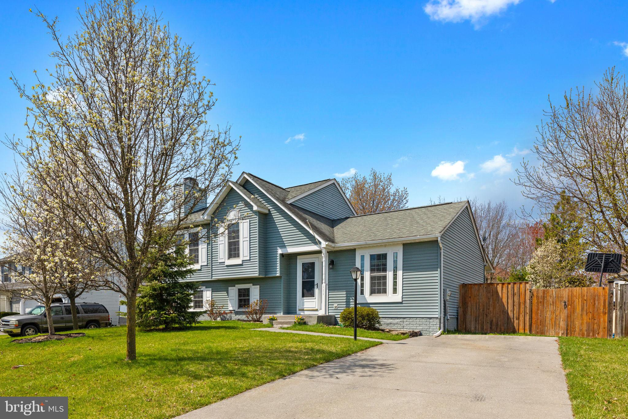 Beautiful single family home - larger than it looks - Split level with 4 levels.  Additional bonus r