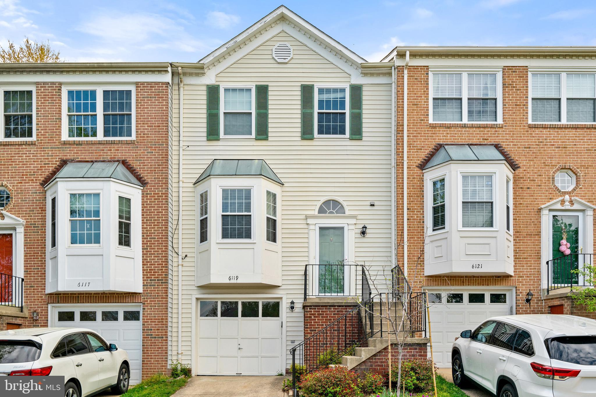 Centrally located in a very desirable community! Minutes to Union Mill Shopping Center, movie theate