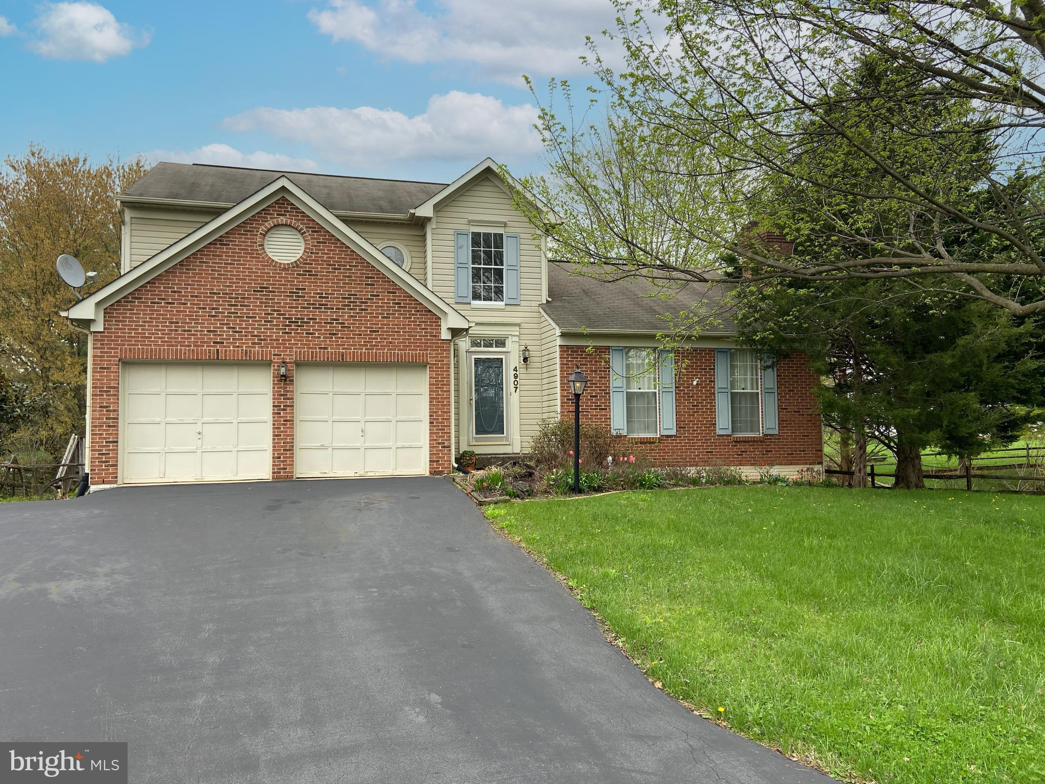 Great cul-de-sac location and fantastic opportunity to add a little love to this property and have 1