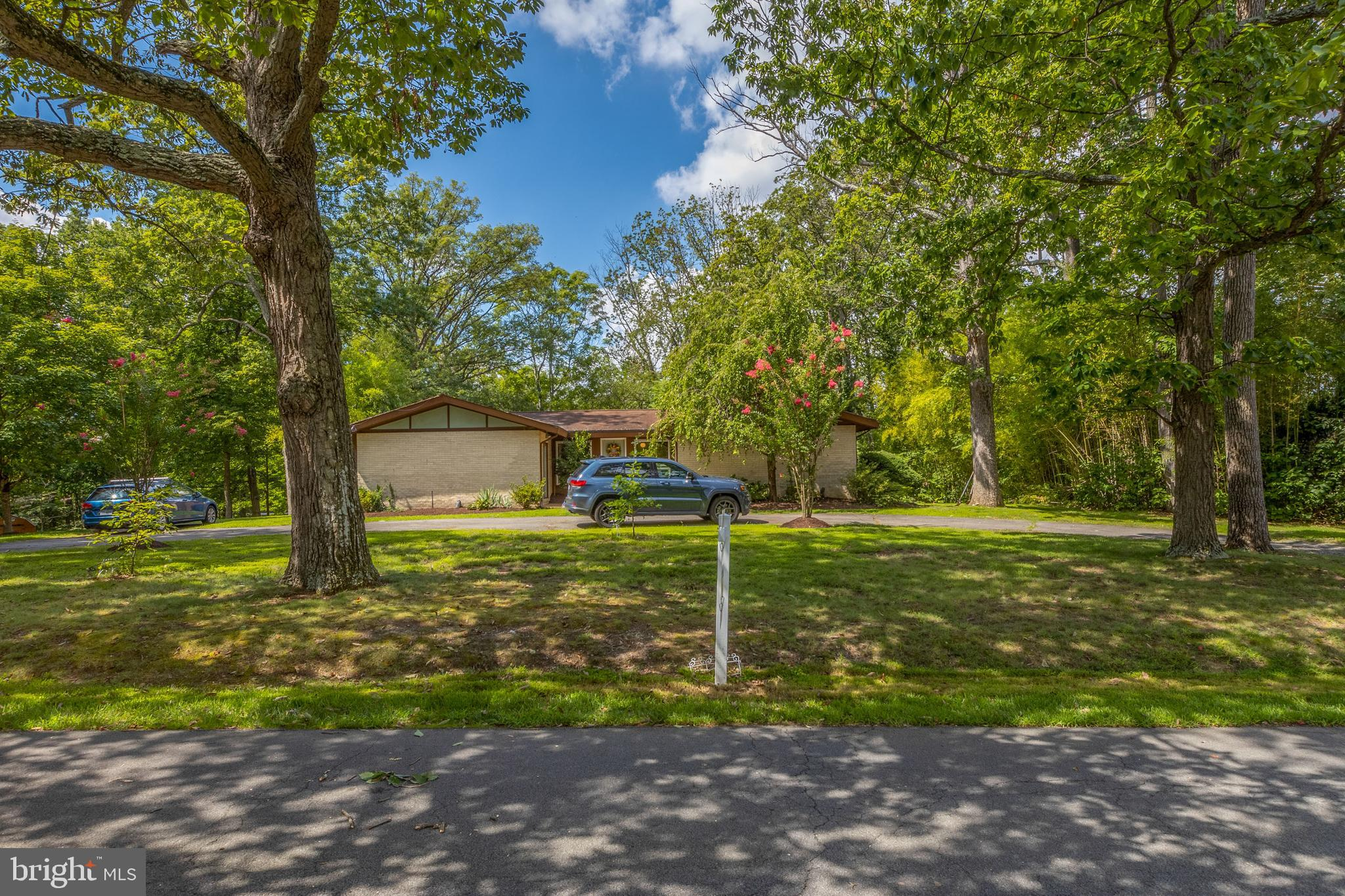 1 STORY/2 LEVEL SFH IN ESTABLISHED HERNDON NEIGHBORHOOD*2 LARGE LOTS OVER 1/2 ACRE*  *PARTIALLY FENC