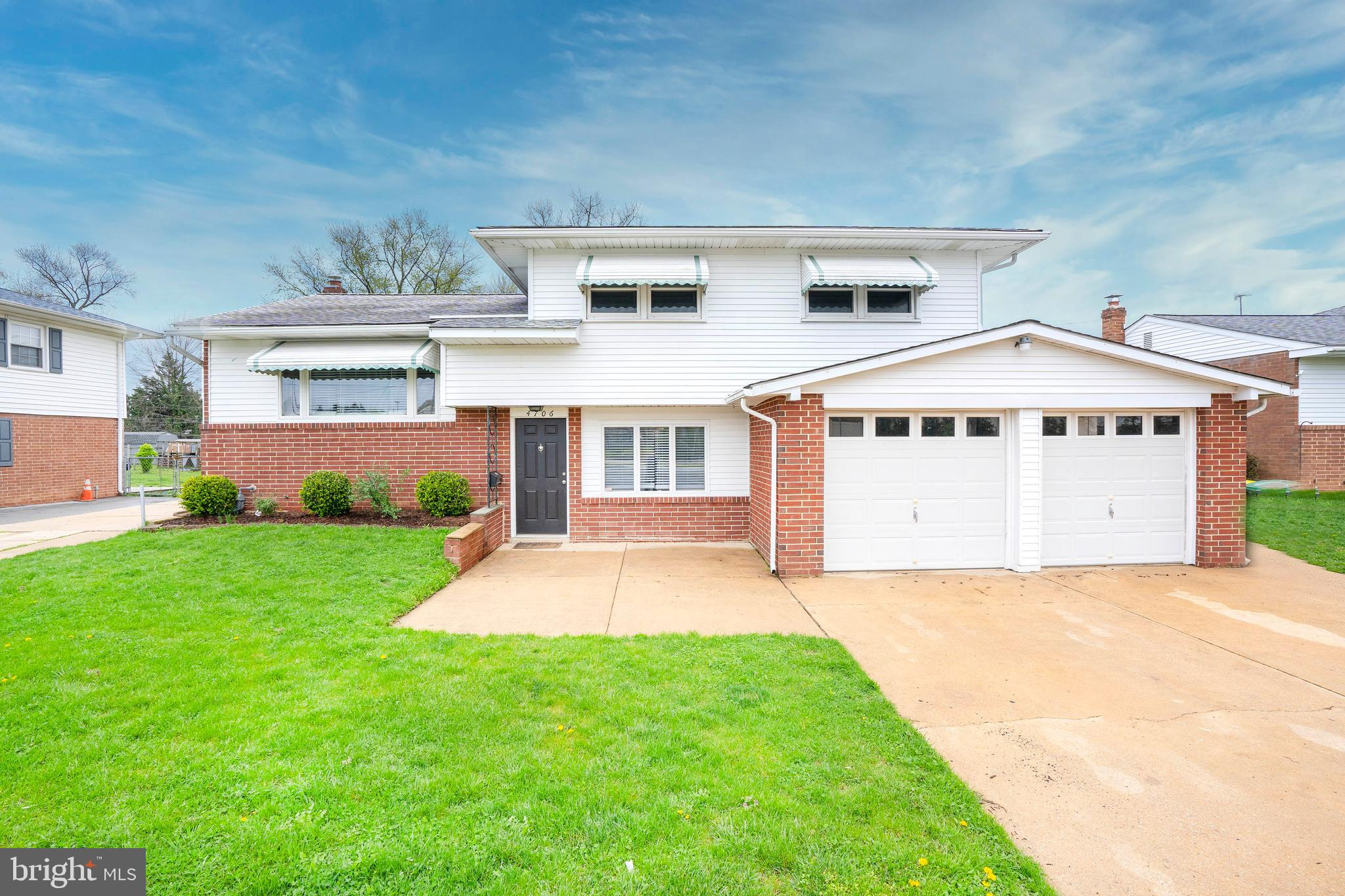 Welcome Home to this amazing 4 bedroom, 2 bath home in Delpark Manor. Conveniently located right off
