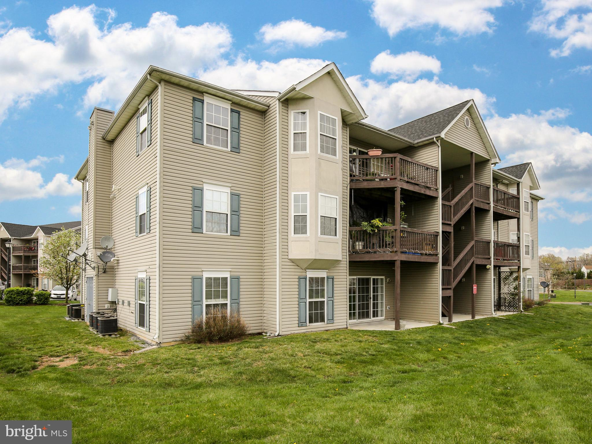 Commuter location-Located just off Route 7. Main level condo offers 2 bedrooms, 2 full baths. Interi