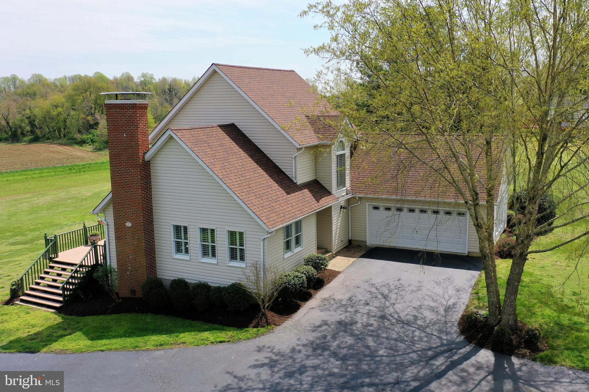 BEAUTIFUL PRISTINE CHESAPEAKE BAY WATERVIEW Contemporary 45' x 47' home. Nice view from every window