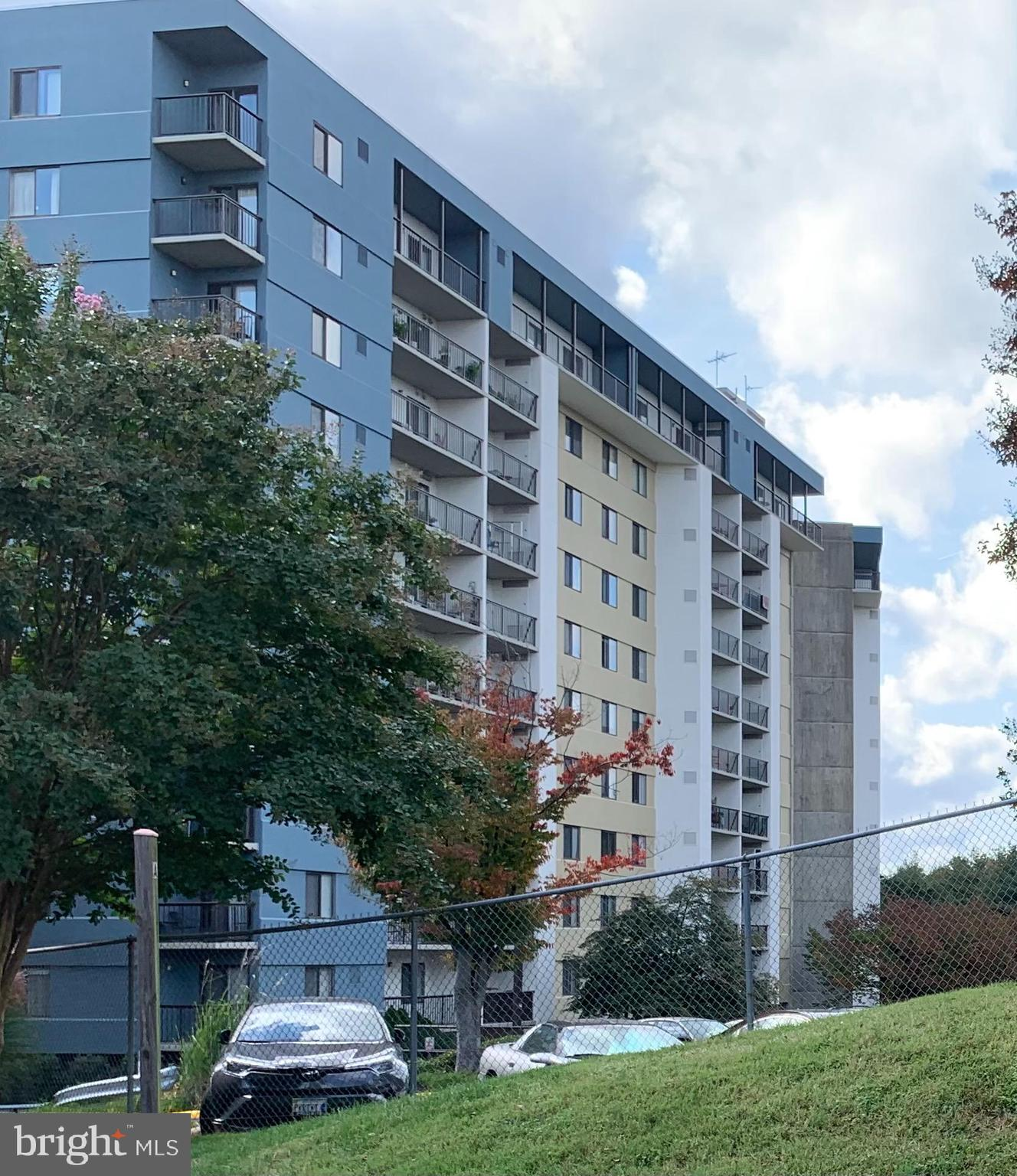 Sought after Penthouse Units at Lakeside Plaza! This one will not last! It has 2 Owner Large Rooms w