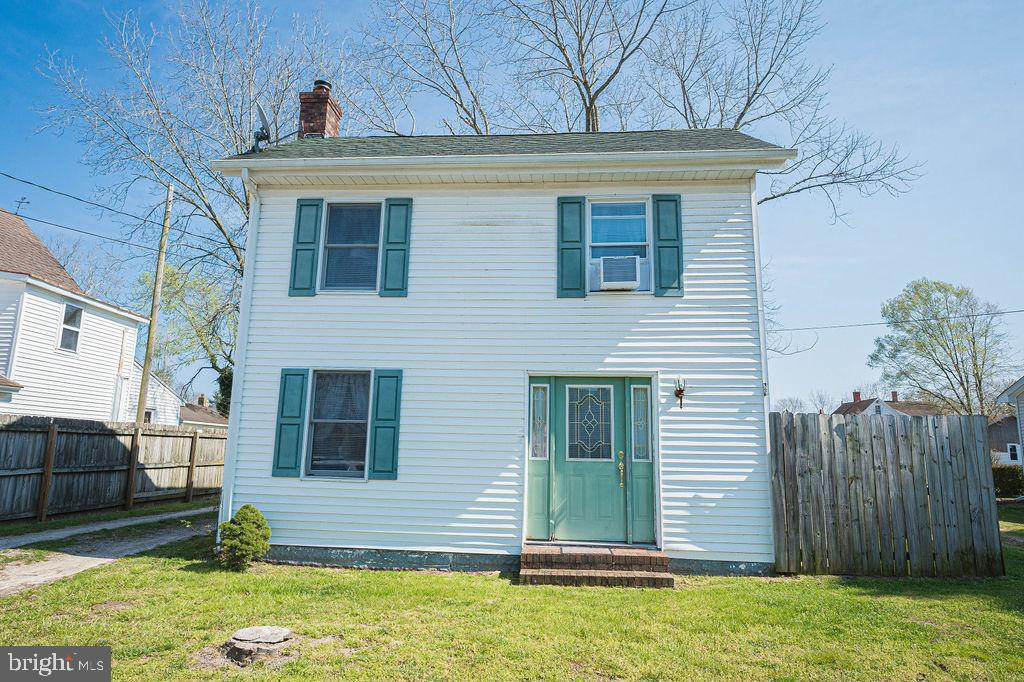 Beautifully updated 2 bedroom 1 bath home in Historic Snow Hill.  Kitchen cabinets and appliances we