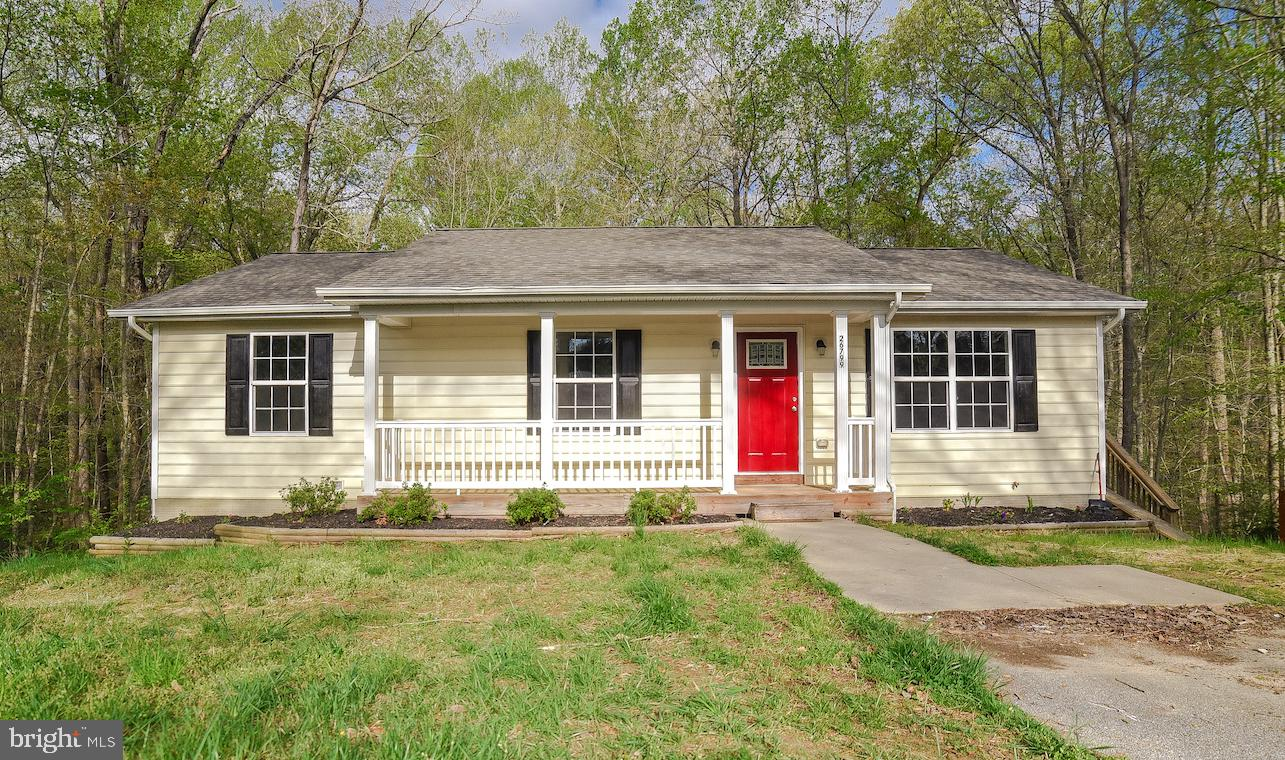 Don't miss this BEAUTIFUL 4BR 3BA rambler with bonus room on the lower level! This home is just unde