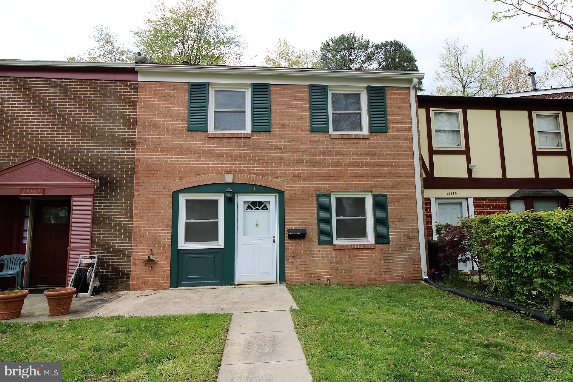 Great townhome in popular Pheasant Run.  4 bedrooms upstairs! 2.5 baths, fresh paint & new carpeting