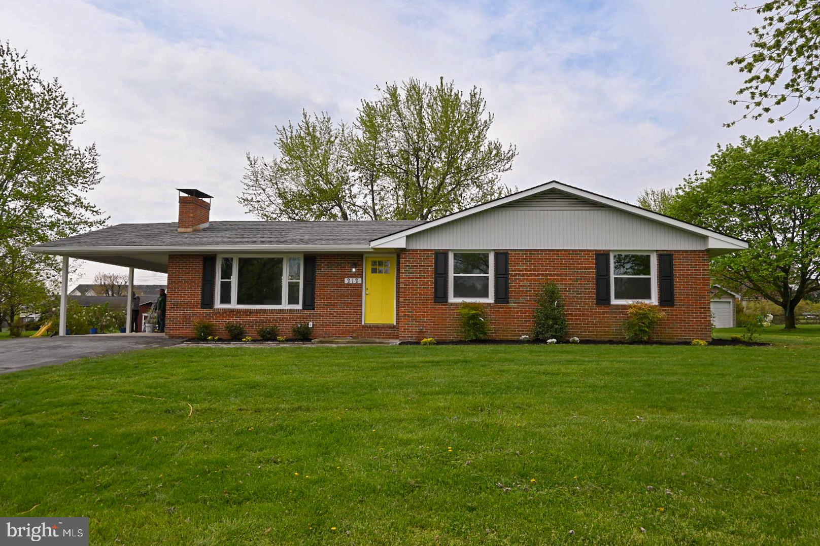 Classic rancher completely updated with new windows, high efficiency heating & cooling system and en