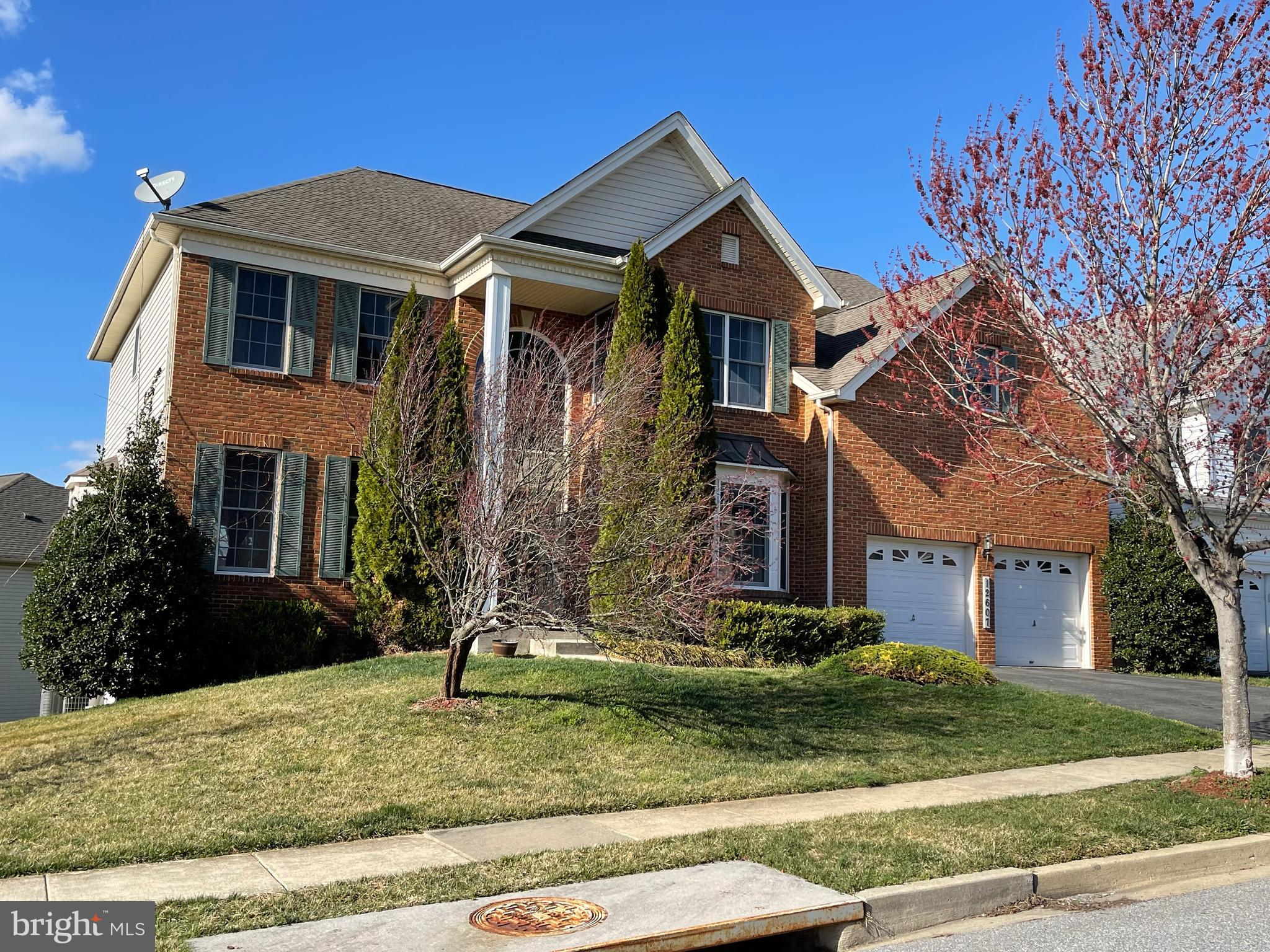 Welcome to this beautiful brick colonial built by Toll Brothers.  This home features 4 bedrooms, 3.5