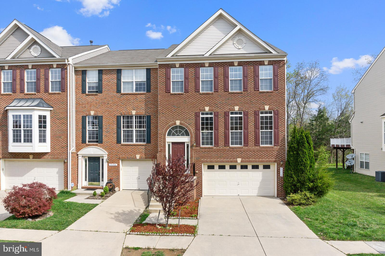 Pristine & rarely available Richmond American built Eastland model. 26' wide End Unit TH. 4 Bedroom,