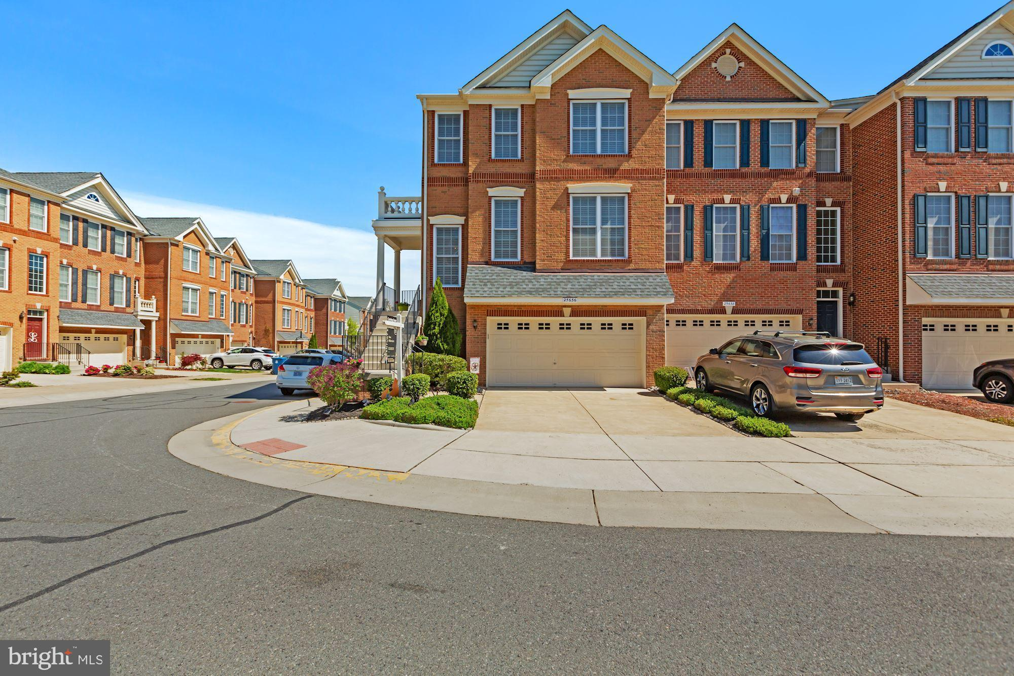 Welcome home to this beautiful end unit TownHouse in sought after South Riding!  This 3 bedroom and
