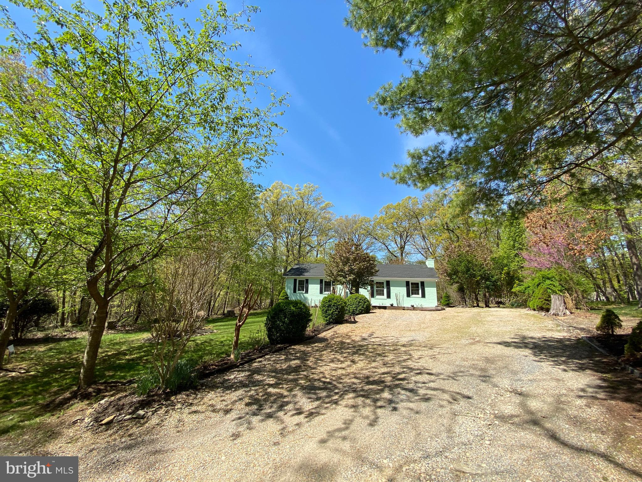 """Active Under Contract - Accepting Backup Contracts.  """"Move in Ready with a large backyard"""". Close to"""