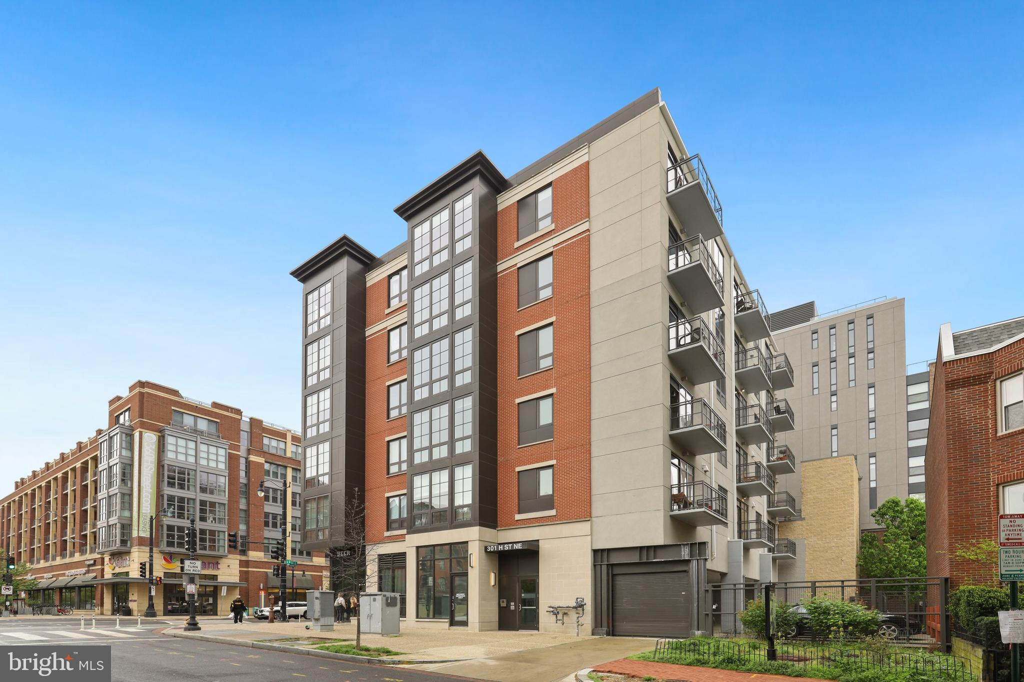Gorgeous 1 bedroom, 1 bath condo with one of only a handful of deeded parking spots in the heart of