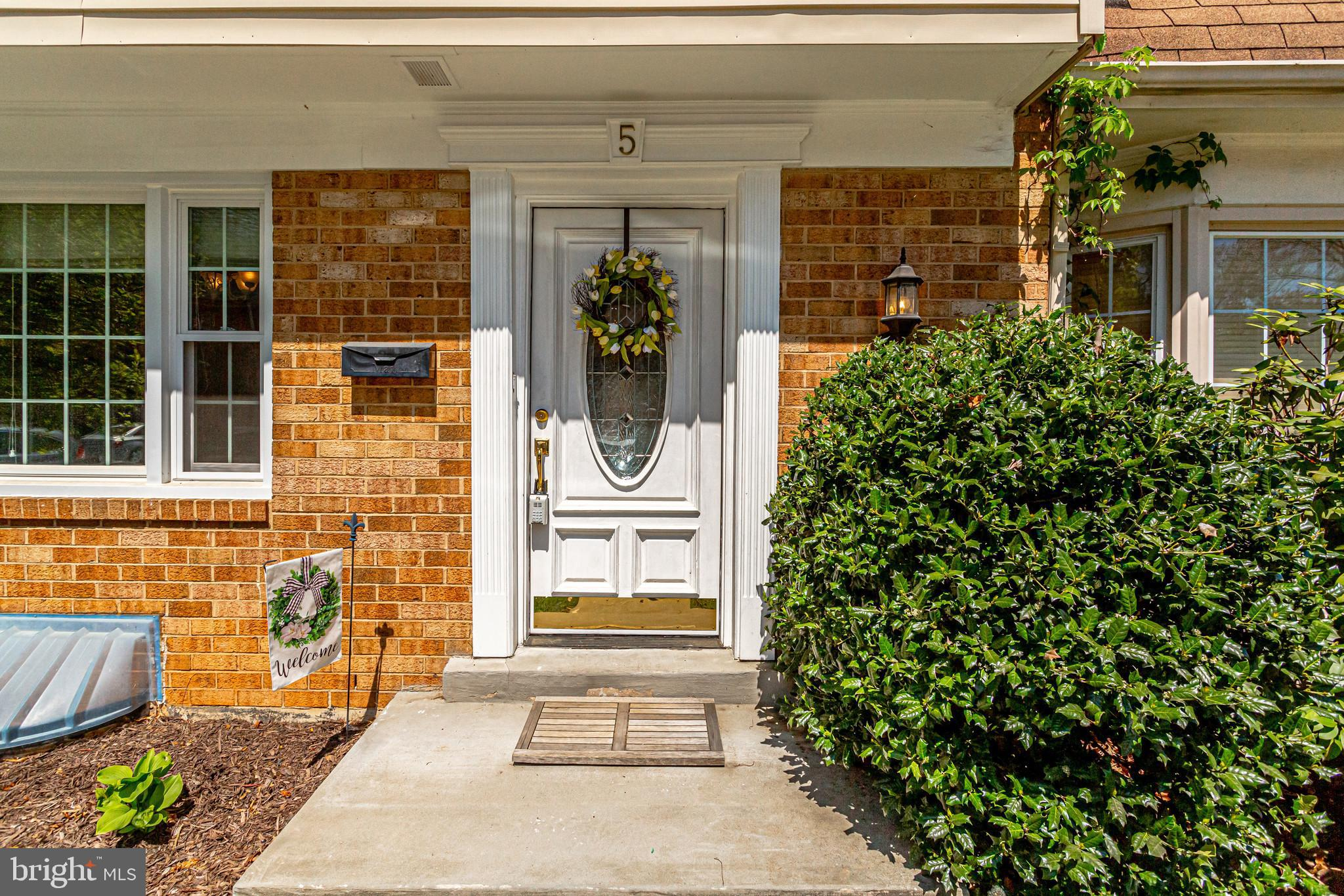 Offer deadline Sunday 6pm  (4/25/2021). Welcome to your new home! A beautiful three story condo town